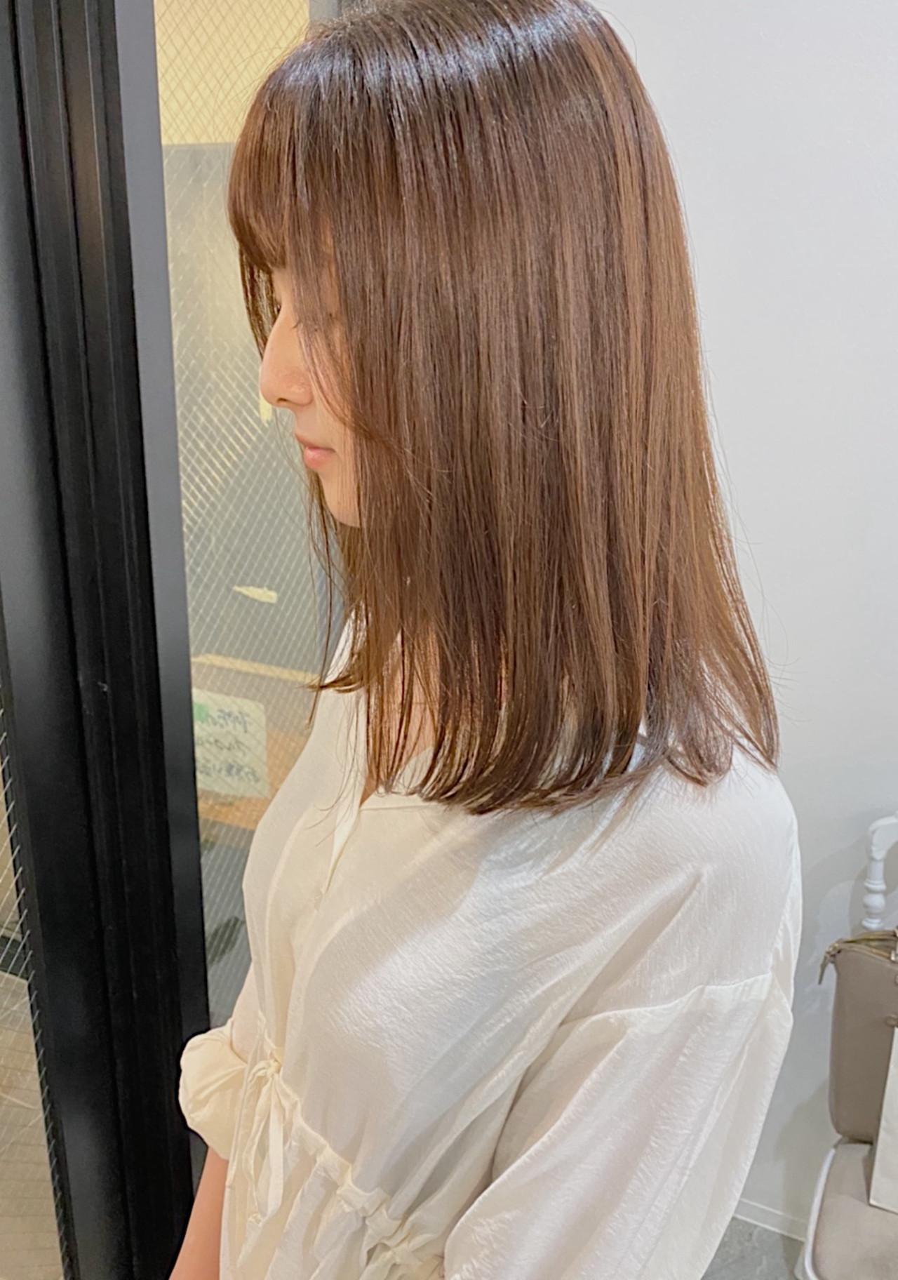 縮毛矯正 ナチュラル グレージュ ストレート ヘアスタイルや髪型の写真・画像