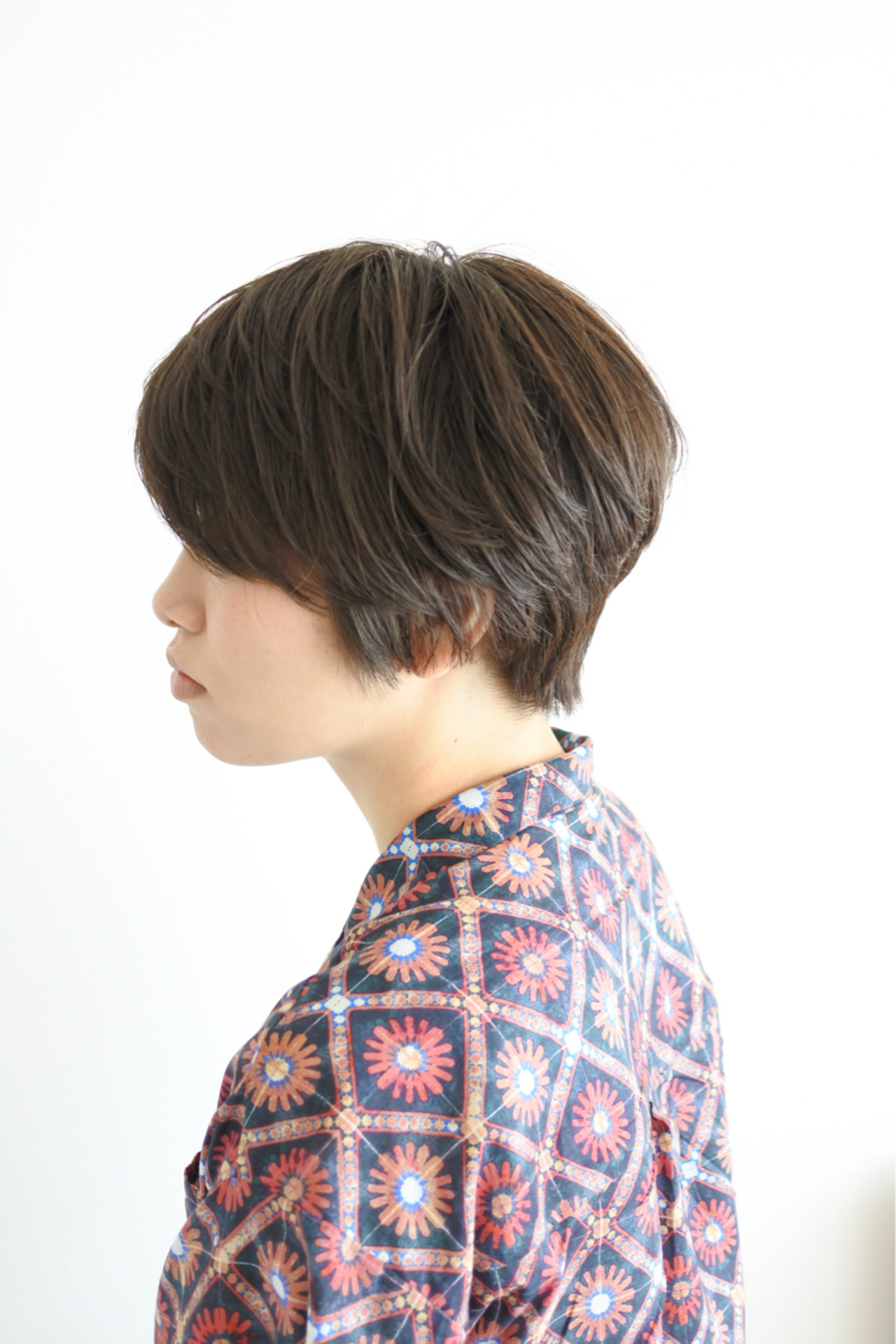 アッシュ グレージュ ナチュラル ショート ヘアスタイルや髪型の写真・画像