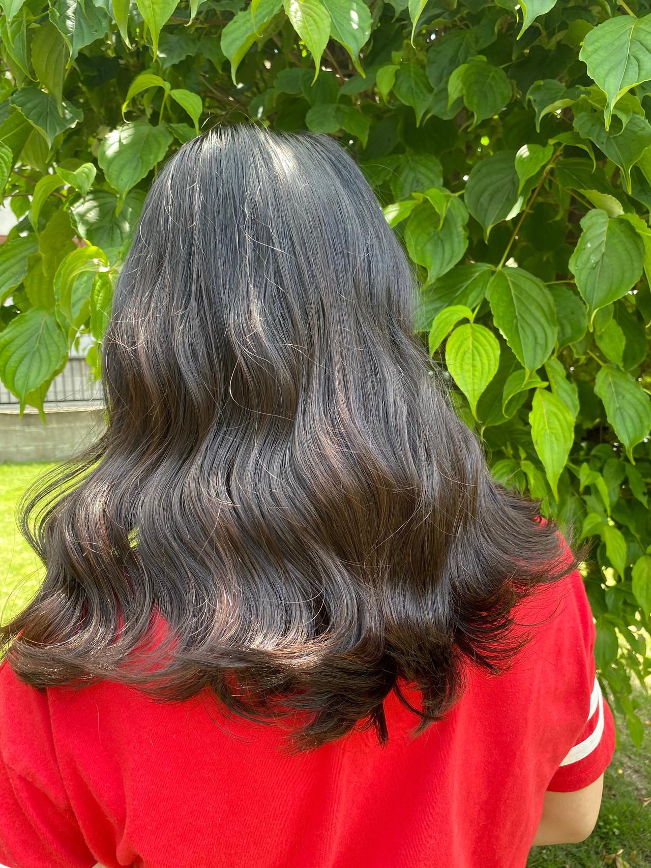 グレージュ ロング ダブルカラー 透明感カラー ヘアスタイルや髪型の写真・画像