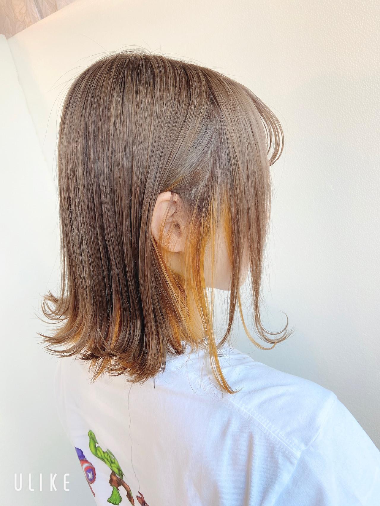 ボブ 切りっぱなしボブ インナーカラーオレンジ ミルクティーベージュ ヘアスタイルや髪型の写真・画像