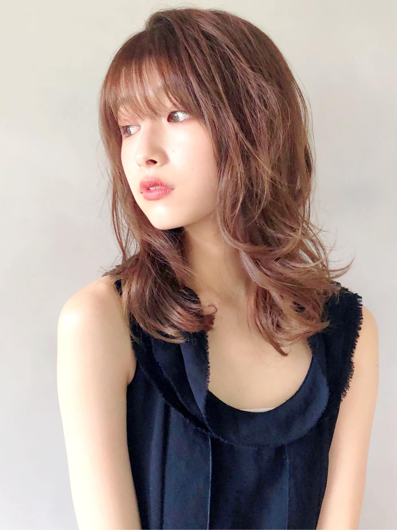 ゆるふわパーマ ミディアムレイヤー アンニュイほつれヘア デジタルパーマ ヘアスタイルや髪型の写真・画像