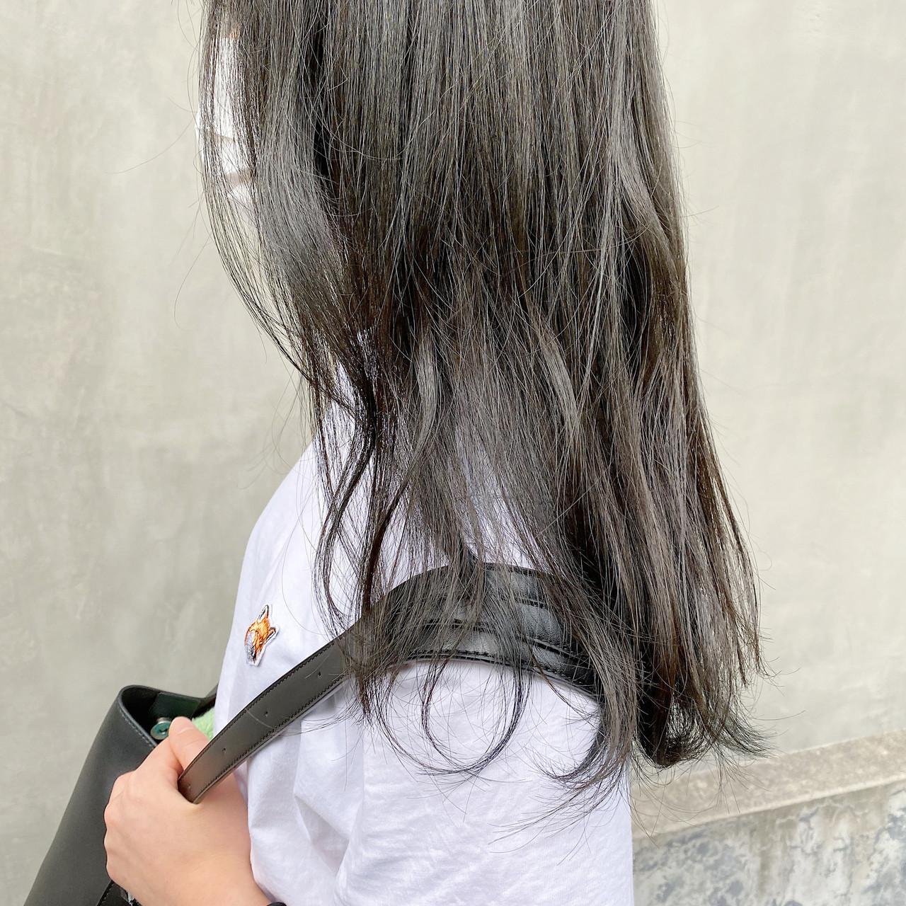 ブルージュ グレージュ アッシュグレージュ ナチュラル ヘアスタイルや髪型の写真・画像