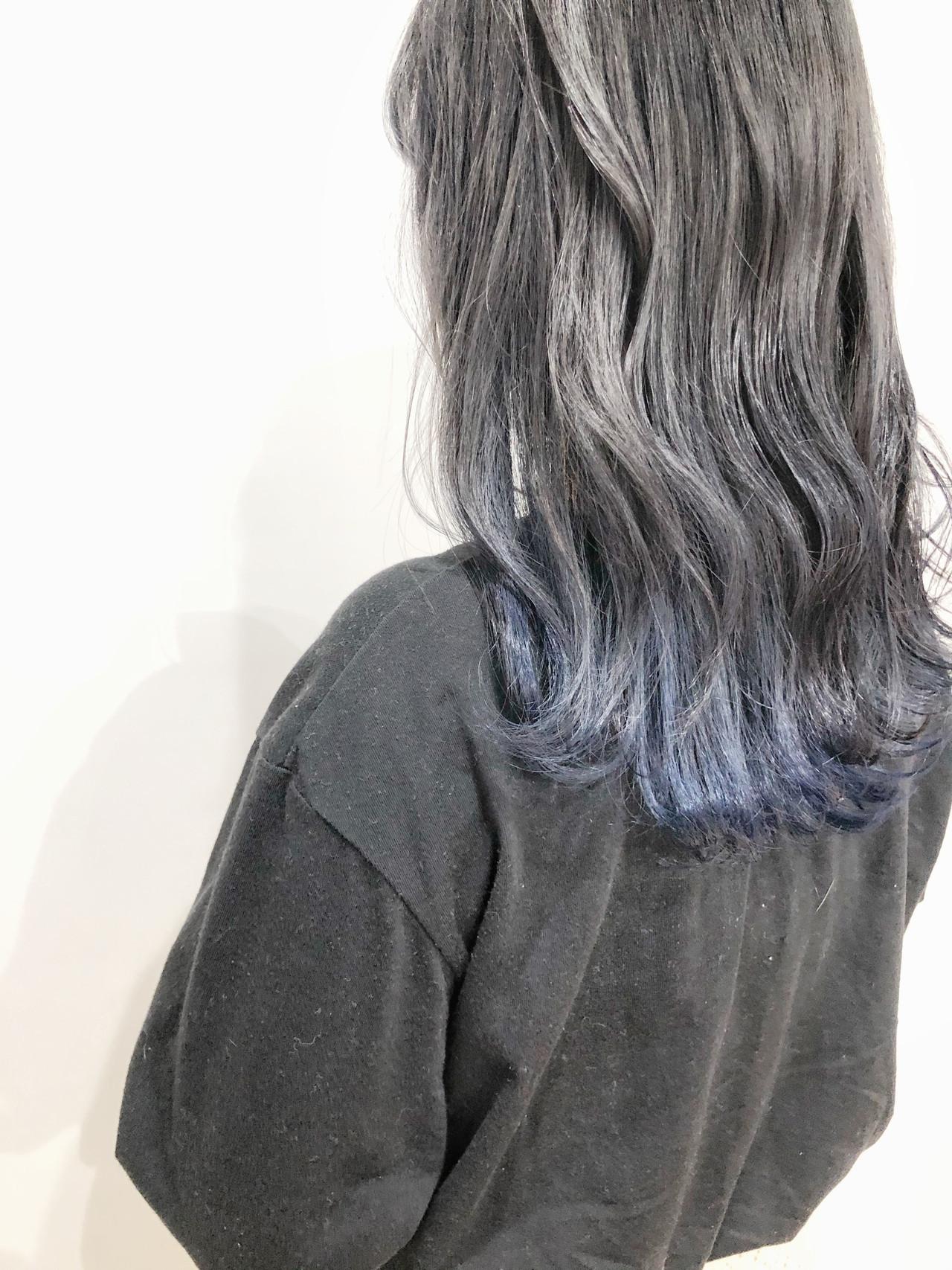 セミロング ブルーグラデーション グラデーションカラー ブルージュ ヘアスタイルや髪型の写真・画像