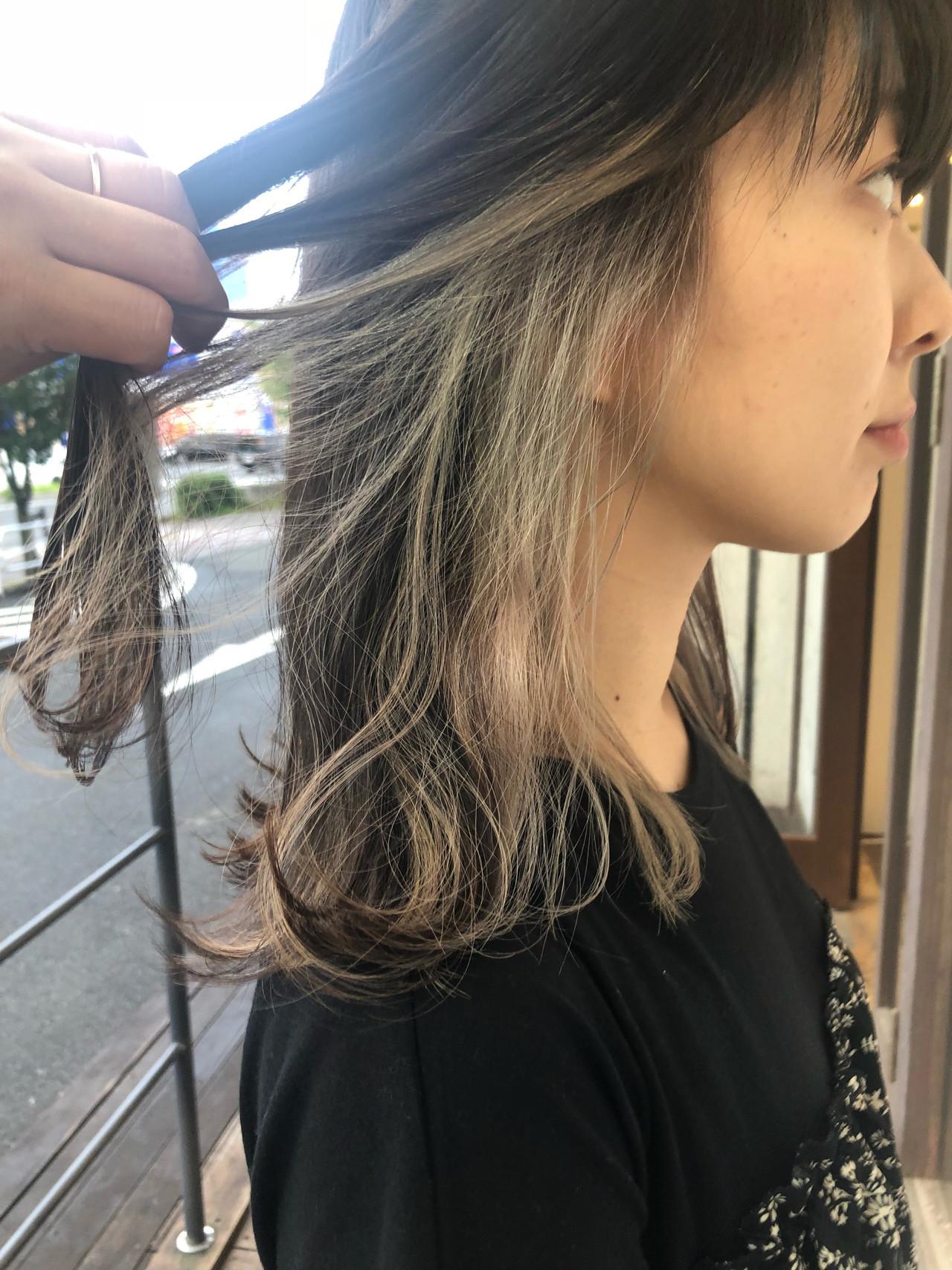 ナチュラル 透明感カラー ミルクティーベージュ アッシュベージュ ヘアスタイルや髪型の写真・画像