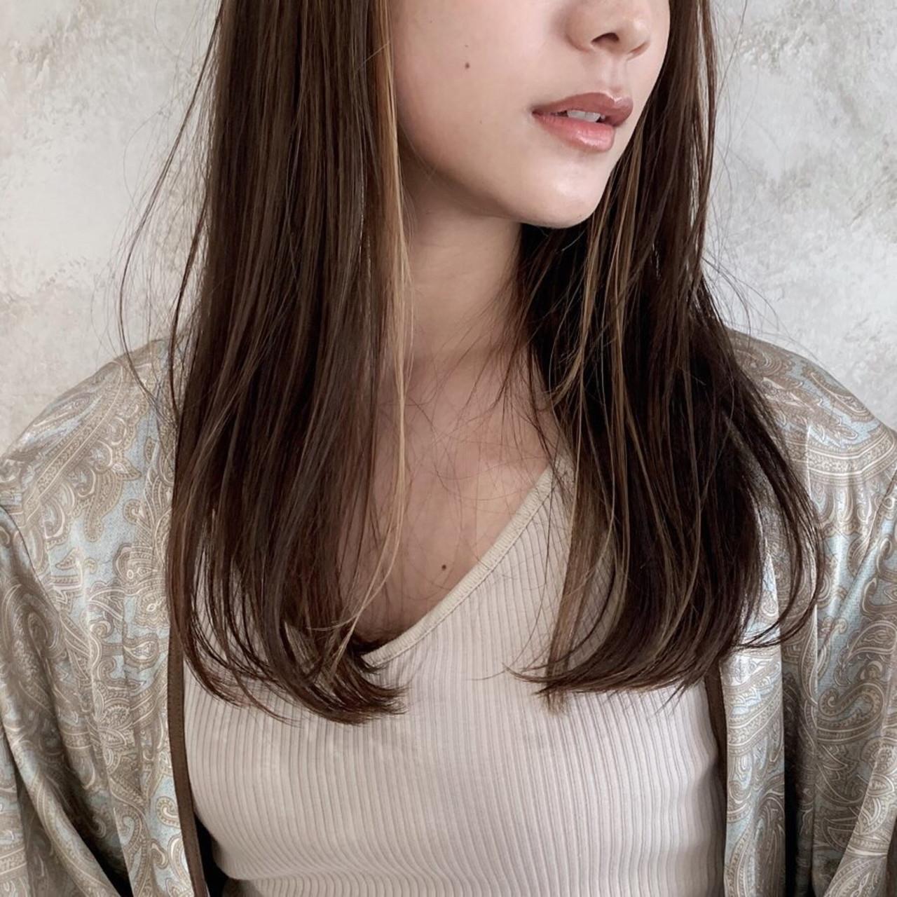 ロング 前髪パッツン 前髪あり インナーカラー ヘアスタイルや髪型の写真・画像