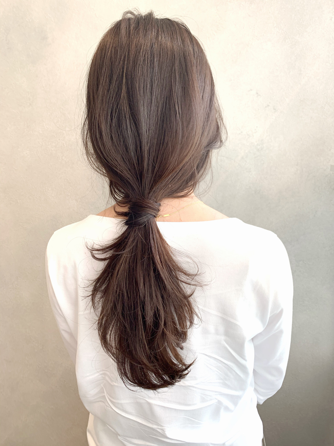 ローポニーテール ナチュラル ポニーテール ヘアアレンジ ヘアスタイルや髪型の写真・画像
