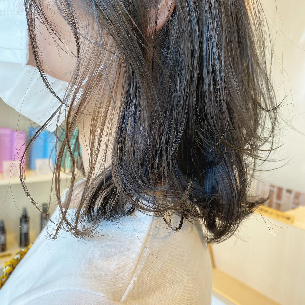 カラーリスト ナチュラル インナーカラー レイヤーカット ヘアスタイルや髪型の写真・画像