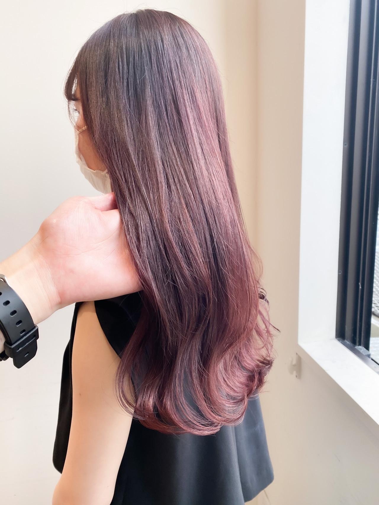 ピンクアッシュ ナチュラル セミロング ブリーチなし ヘアスタイルや髪型の写真・画像