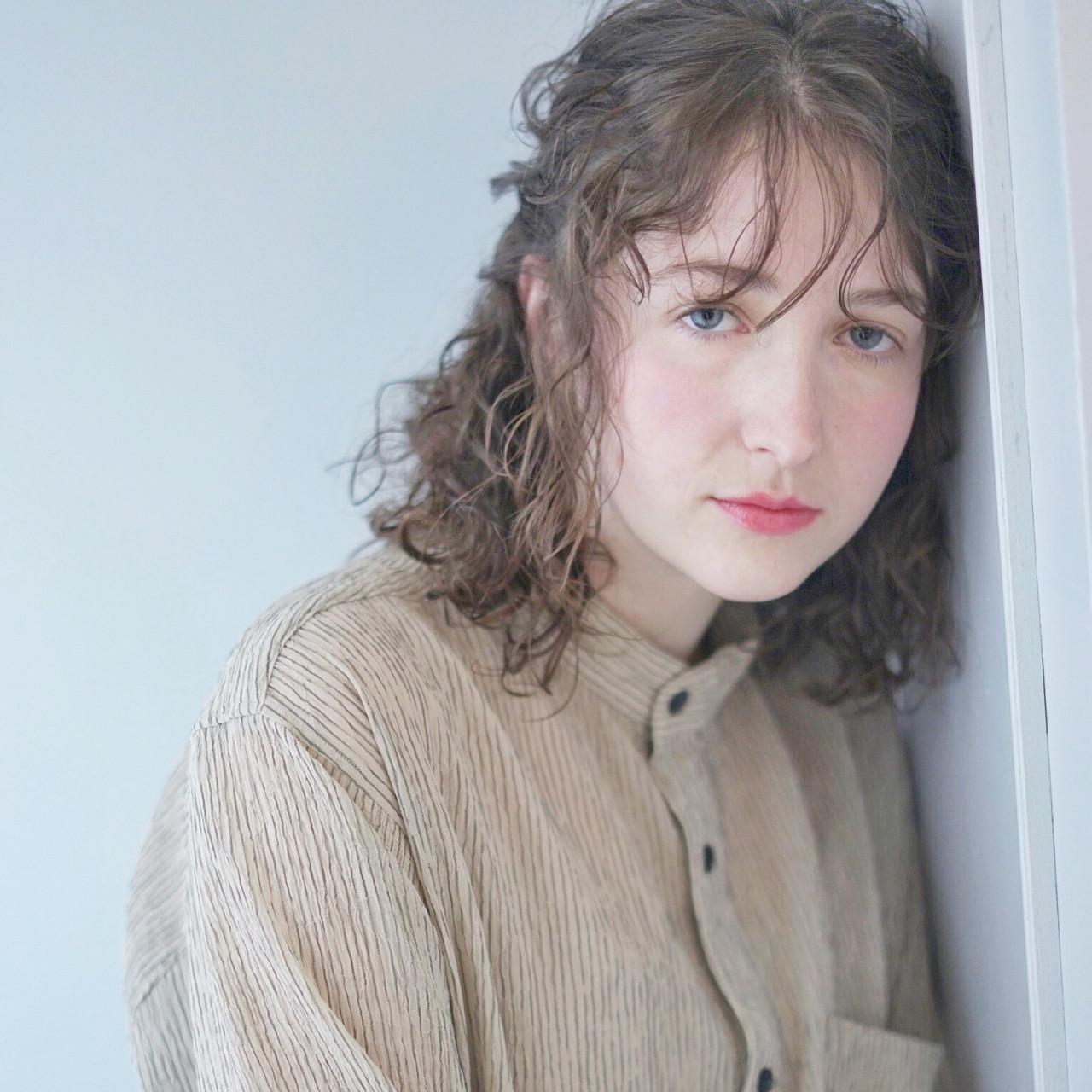 ミディアム 3Dカラー 外国人風カラー ナチュラル ヘアスタイルや髪型の写真・画像
