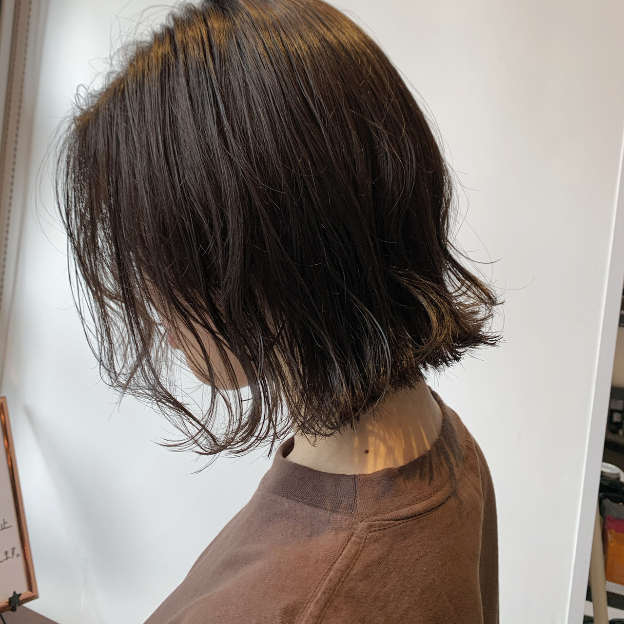 ミニボブ ナチュラルベージュ 切りっぱなしボブ ボブ ヘアスタイルや髪型の写真・画像