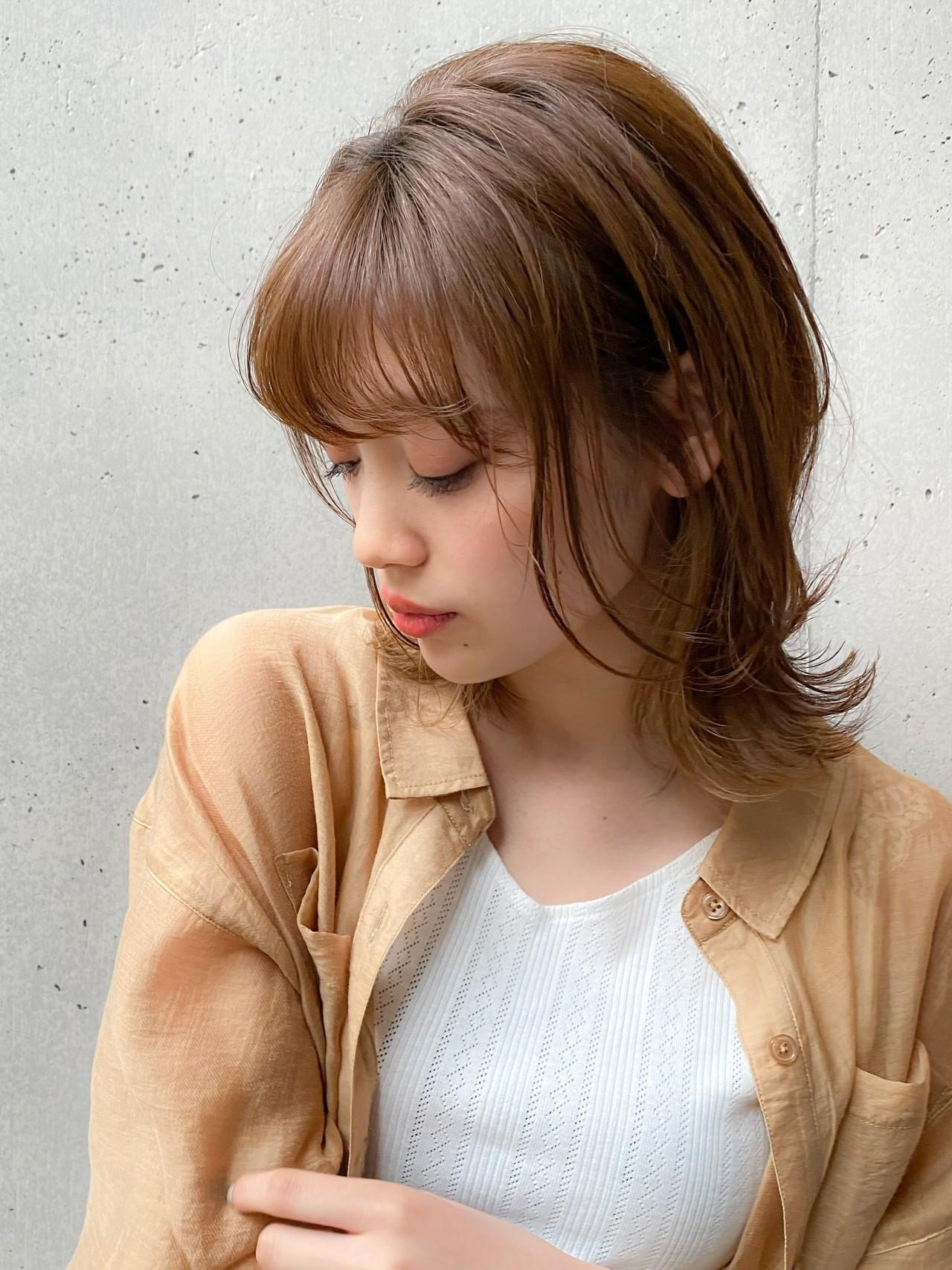 アッシュグレージュ ナチュラル可愛い ウルフカット ミディアム ヘアスタイルや髪型の写真・画像