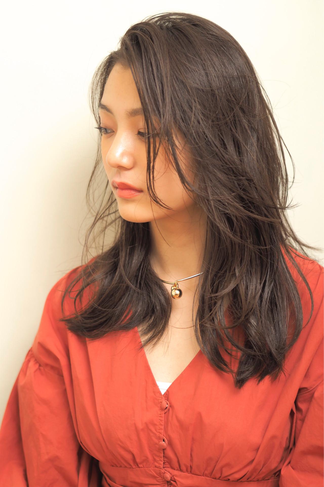 レイヤースタイル レイヤーロングヘア レイヤーカット 大人ロング ヘアスタイルや髪型の写真・画像