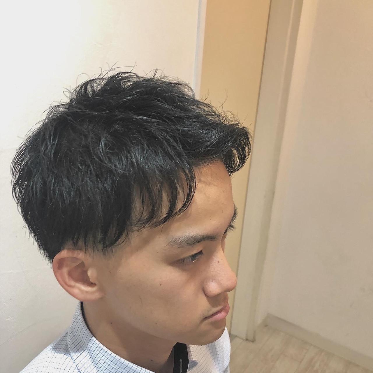 ナチュラル ショート メンズカット アップバング ヘアスタイルや髪型の写真・画像