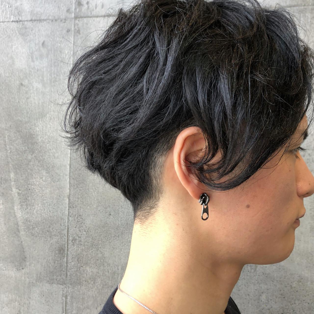 アンニュイ 刈り上げ メンズヘア ショート ヘアスタイルや髪型の写真・画像