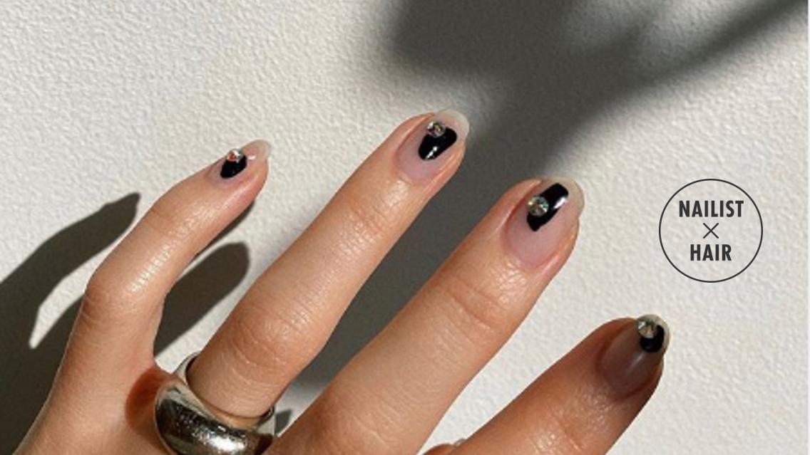宝石みたいなキラキラストーンを付けてゴージャスな指先をGETしよ♡