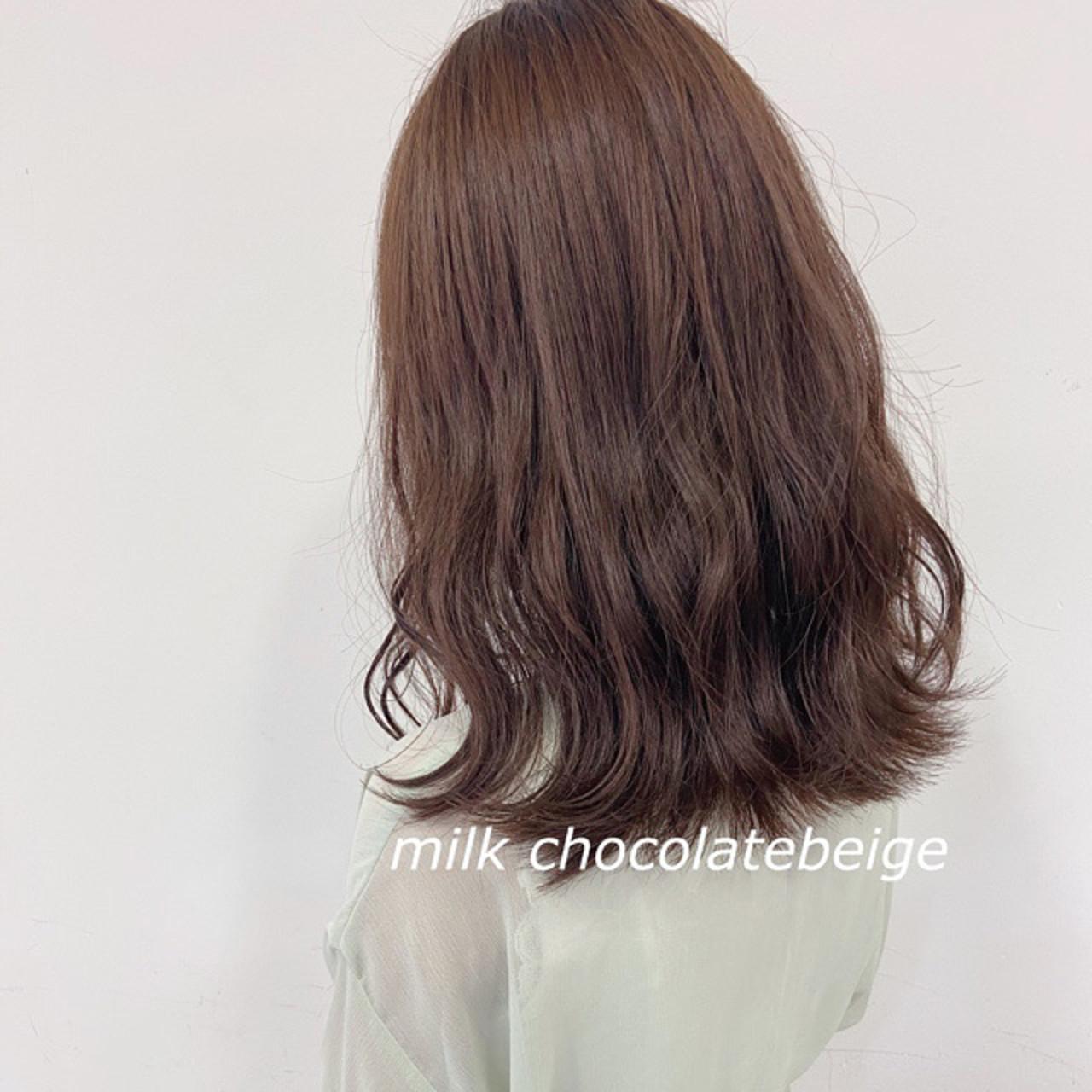 ナチュラル ミディアム ブラウンベージュ ショコラブラウン ヘアスタイルや髪型の写真・画像