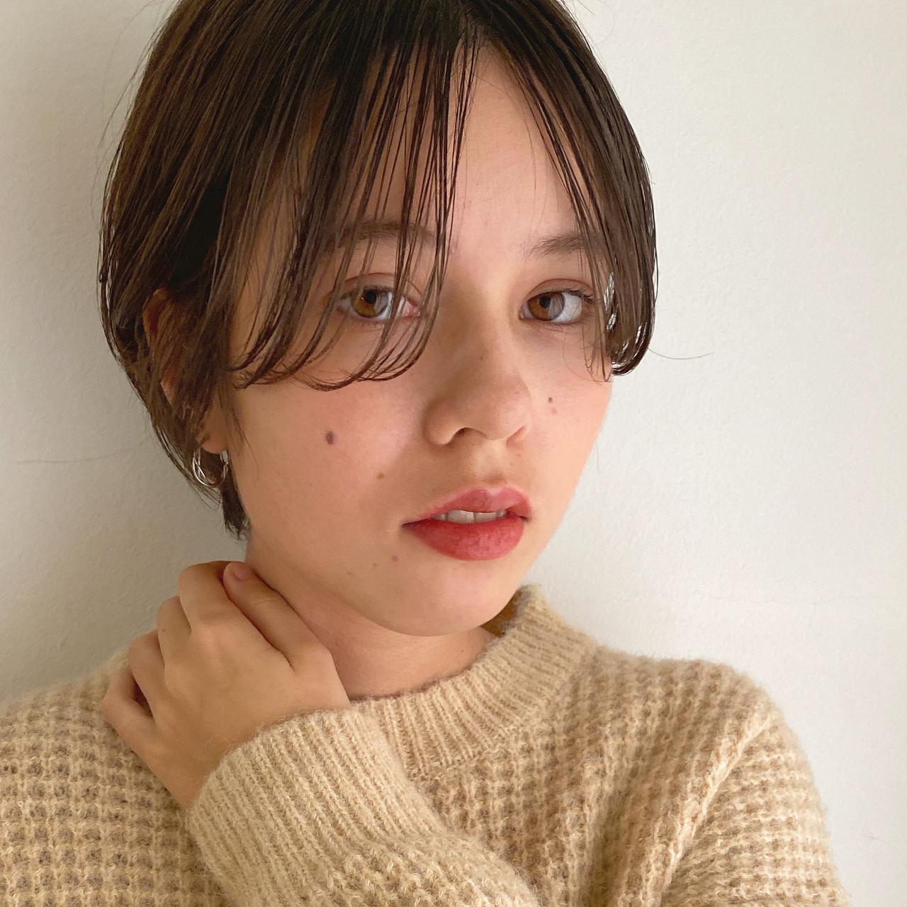 外国人風フェミニン ショートヘア 無造作パーマ ニュアンスパーマ ヘアスタイルや髪型の写真・画像