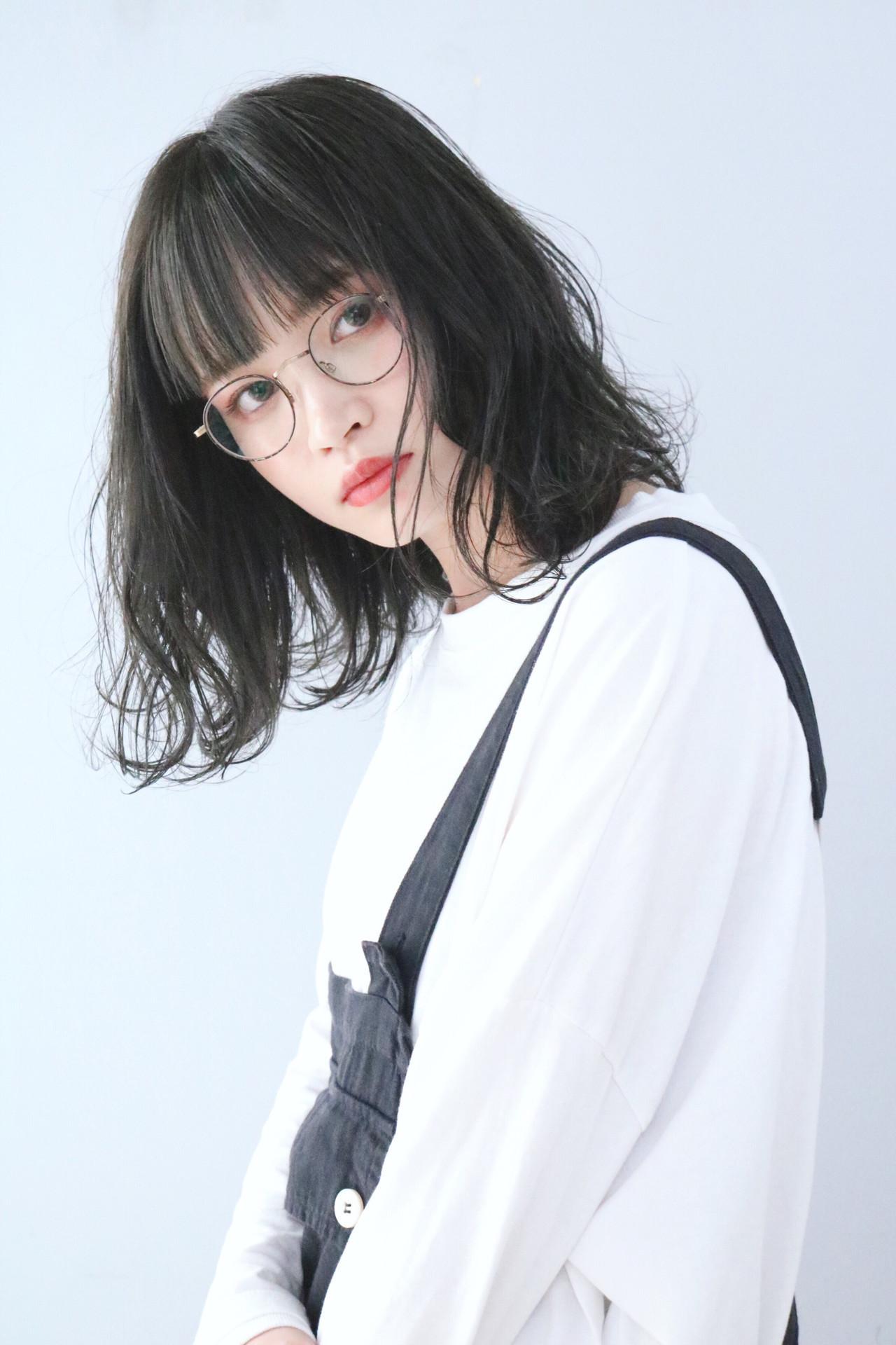 黒髮 アッシュグレージュ ナチュラル 黒髪 ヘアスタイルや髪型の写真・画像