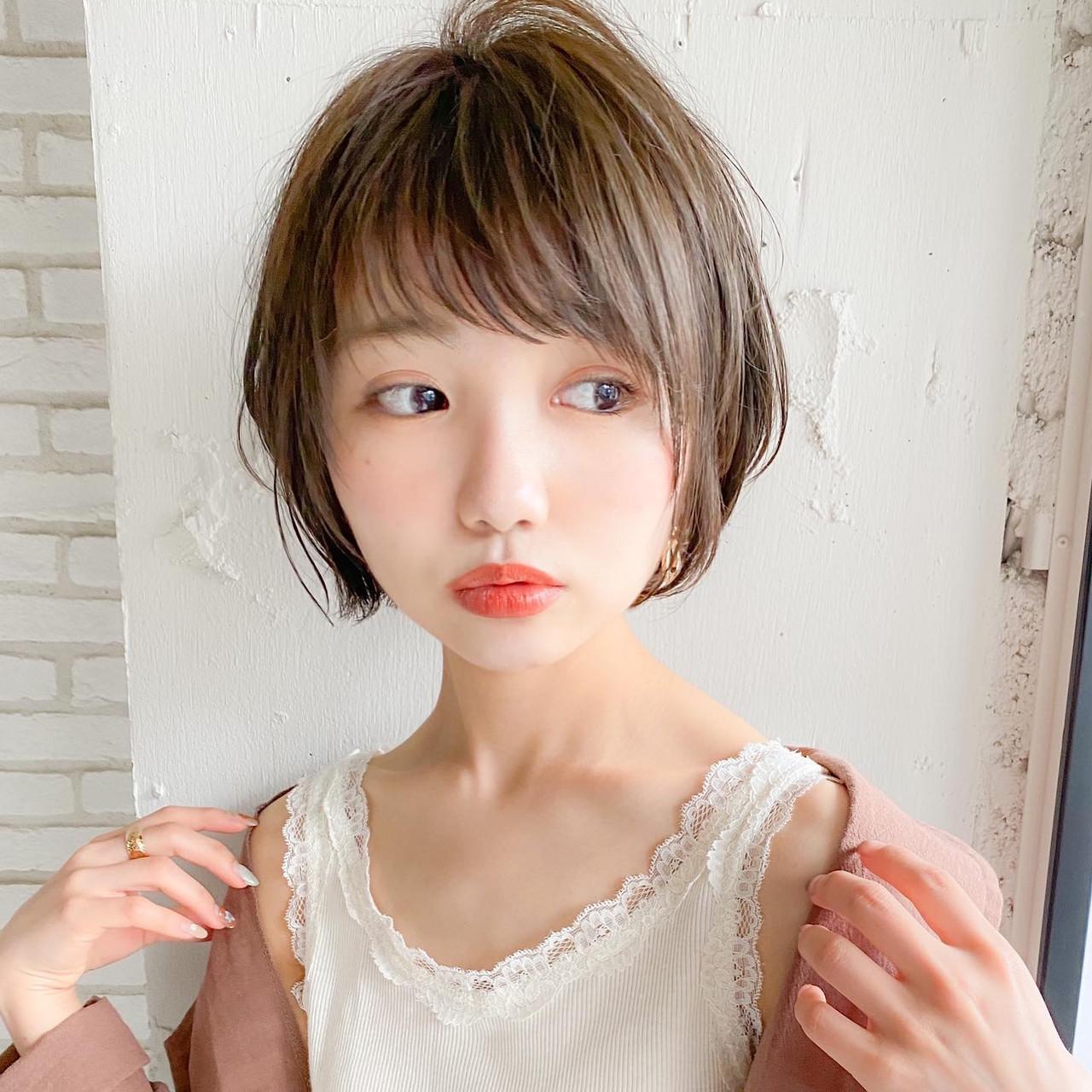 ショートボブ ナチュラル 小顔ショート ひし形シルエット ヘアスタイルや髪型の写真・画像