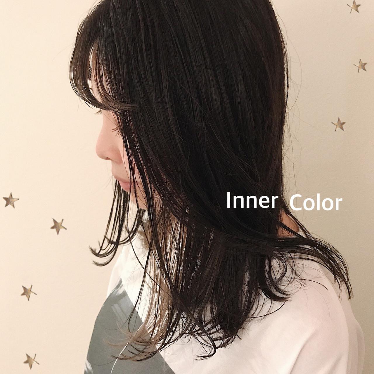 セミロング ストリート インナーカラー イヤリングカラー ヘアスタイルや髪型の写真・画像
