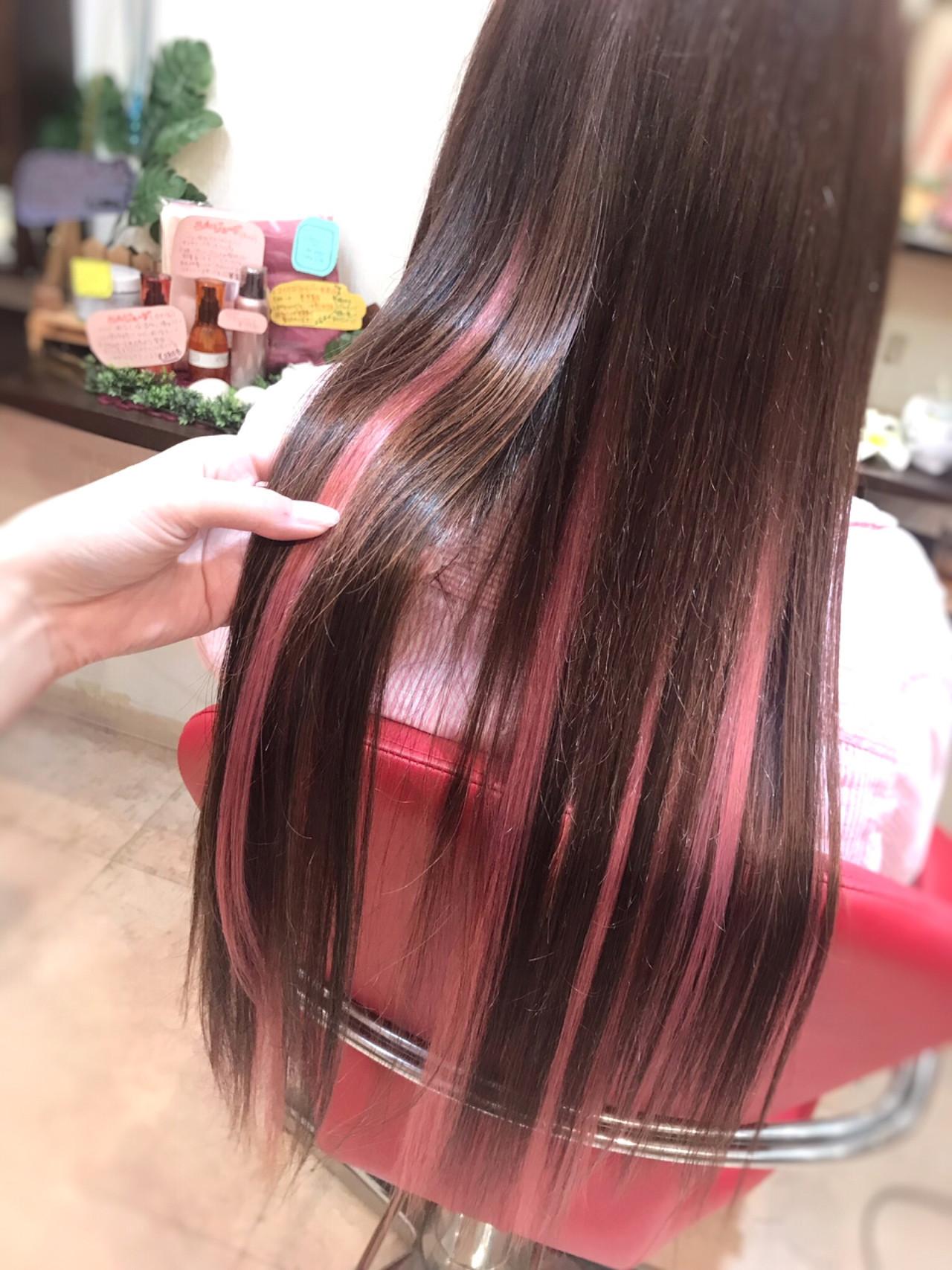 ハイライト イベント ロング ピンク ヘアスタイルや髪型の写真・画像