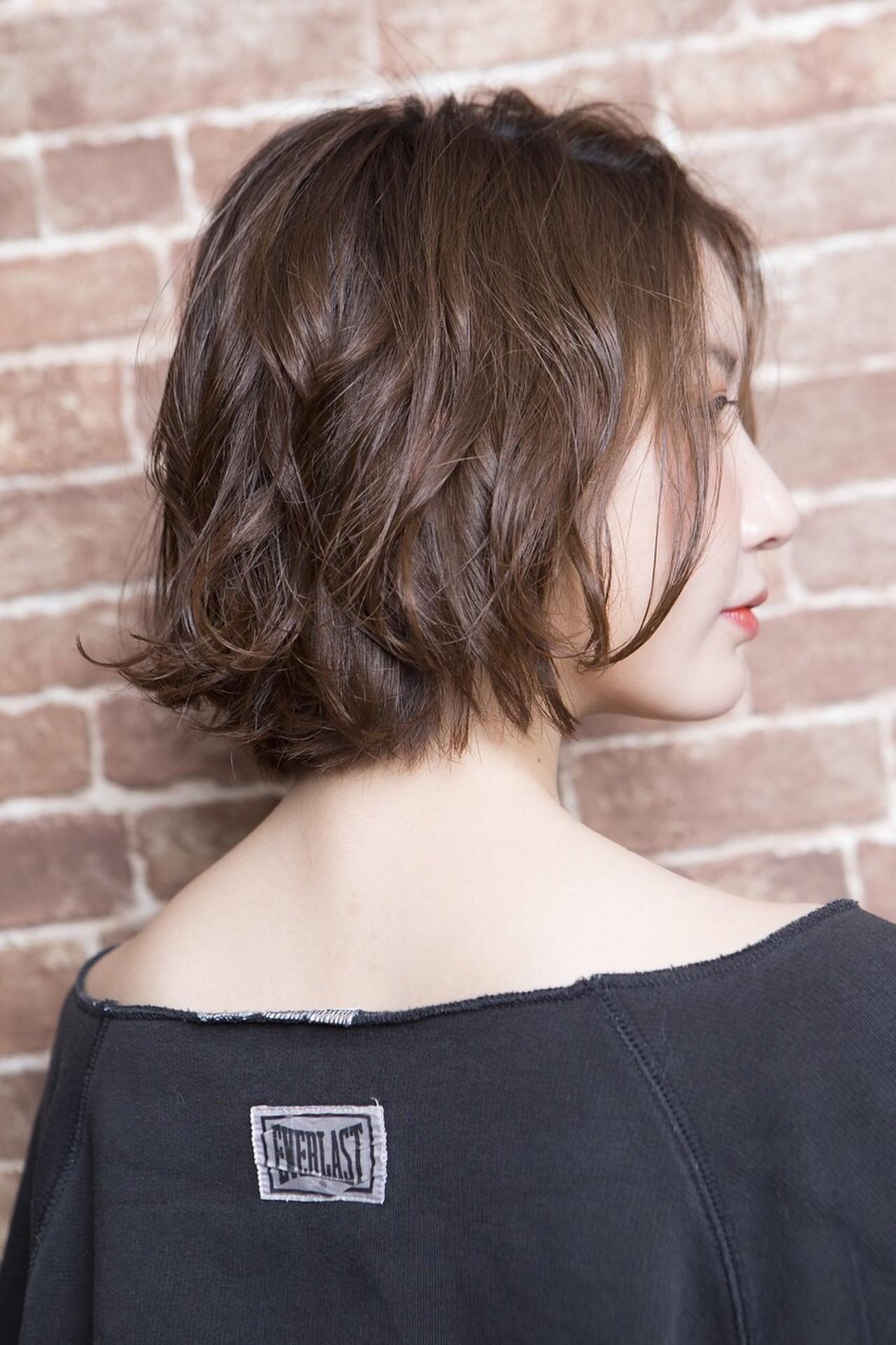 ボブ フェミニン 無造作パーマ ショートヘア ヘアスタイルや髪型の写真・画像