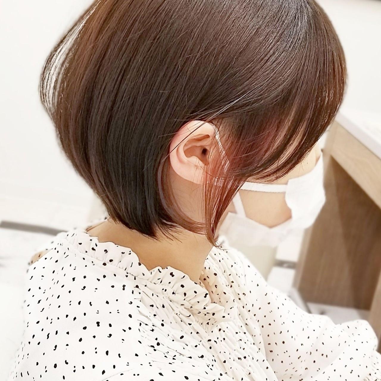 ショート フェミニン インナーピンク ショートヘア ヘアスタイルや髪型の写真・画像