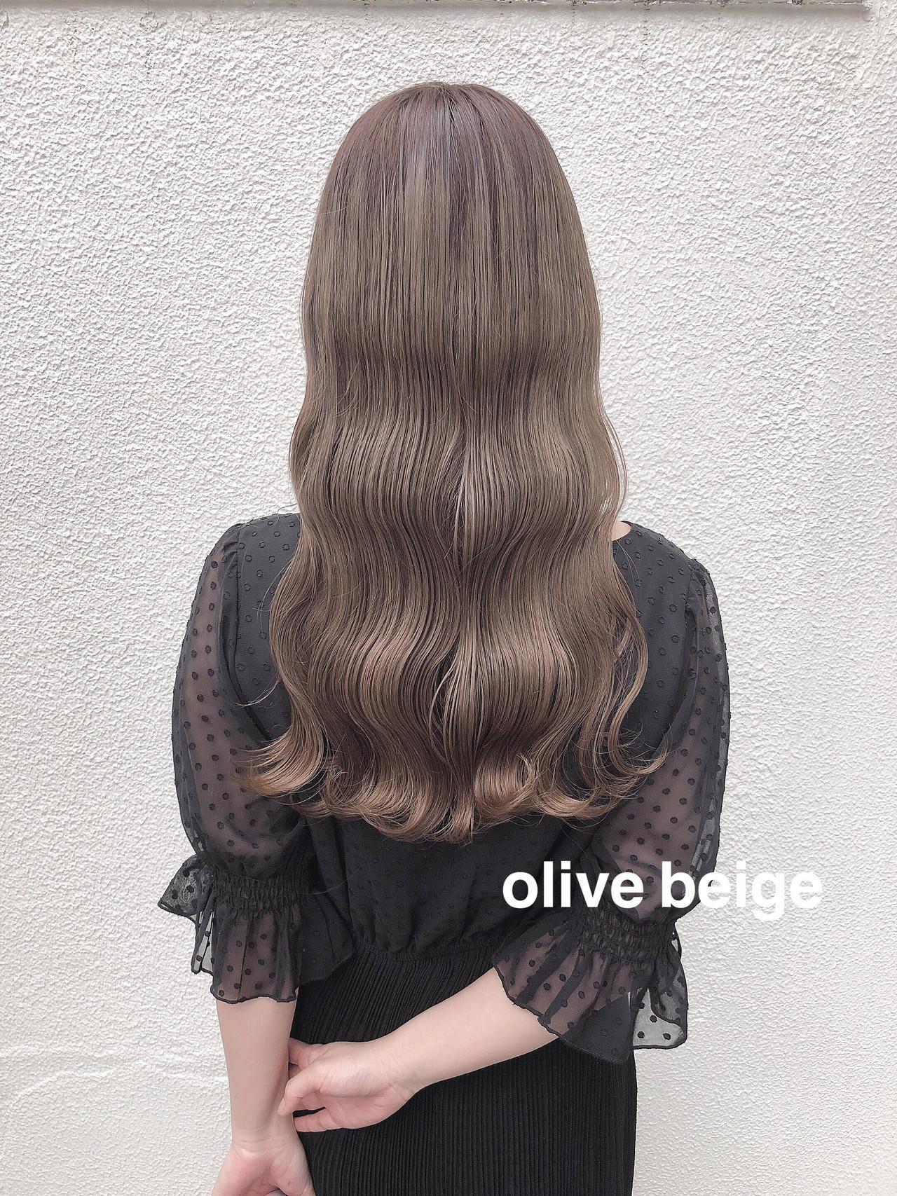 ナチュラル アッシュグレージュ セミロング ハイトーンカラー ヘアスタイルや髪型の写真・画像