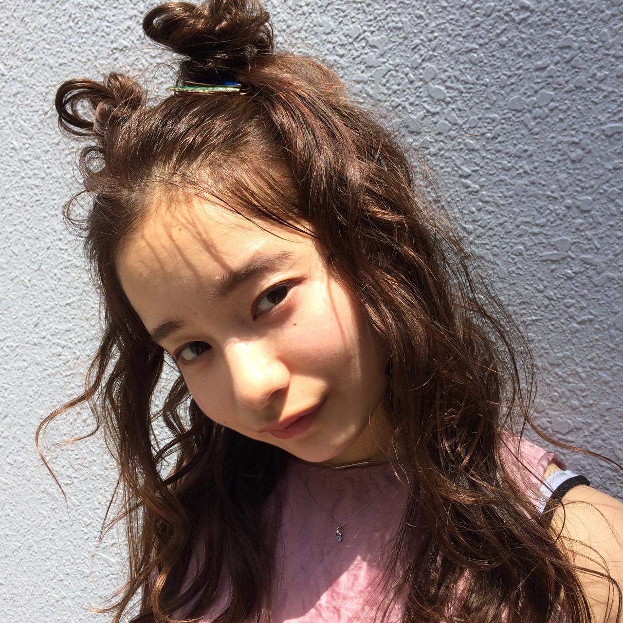ヘアアクセ ヘアアレンジ アンニュイ ウェーブ ヘアスタイルや髪型の写真・画像