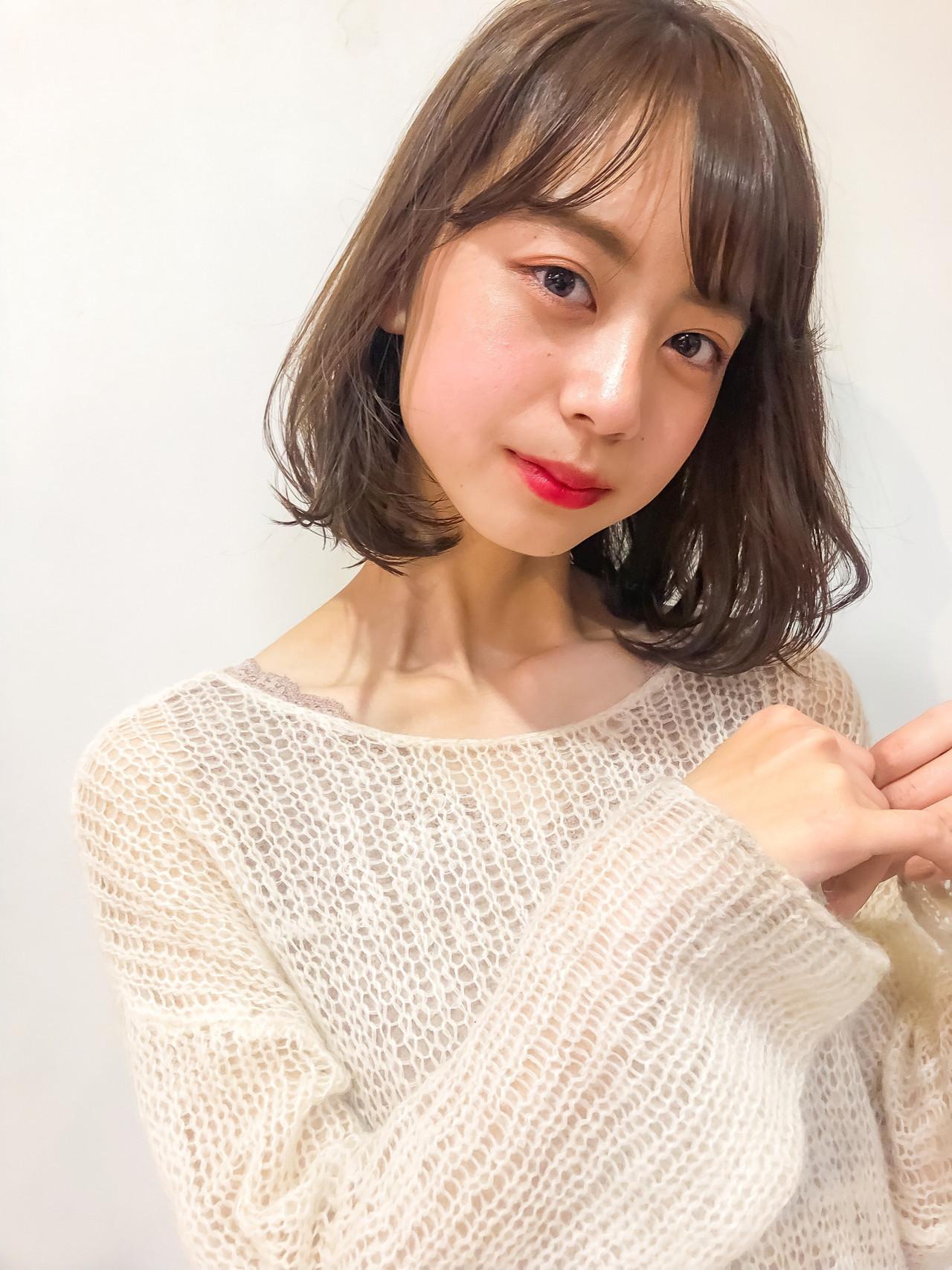 ロブ ミディアム シースルーバング 韓国ヘア ヘアスタイルや髪型の写真・画像