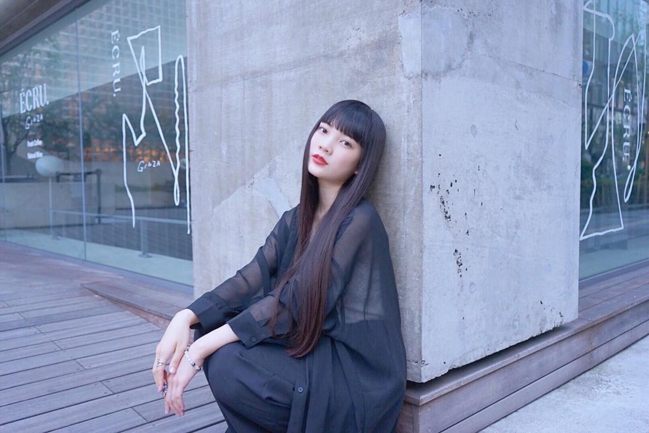ナチュラル ロング ストレート 暗髪女子 ヘアスタイルや髪型の写真・画像