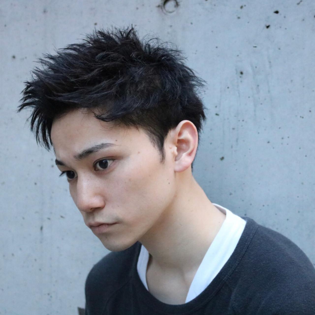 アップバング ナチュラル ツーブロック メンズスタイル ヘアスタイルや髪型の写真・画像