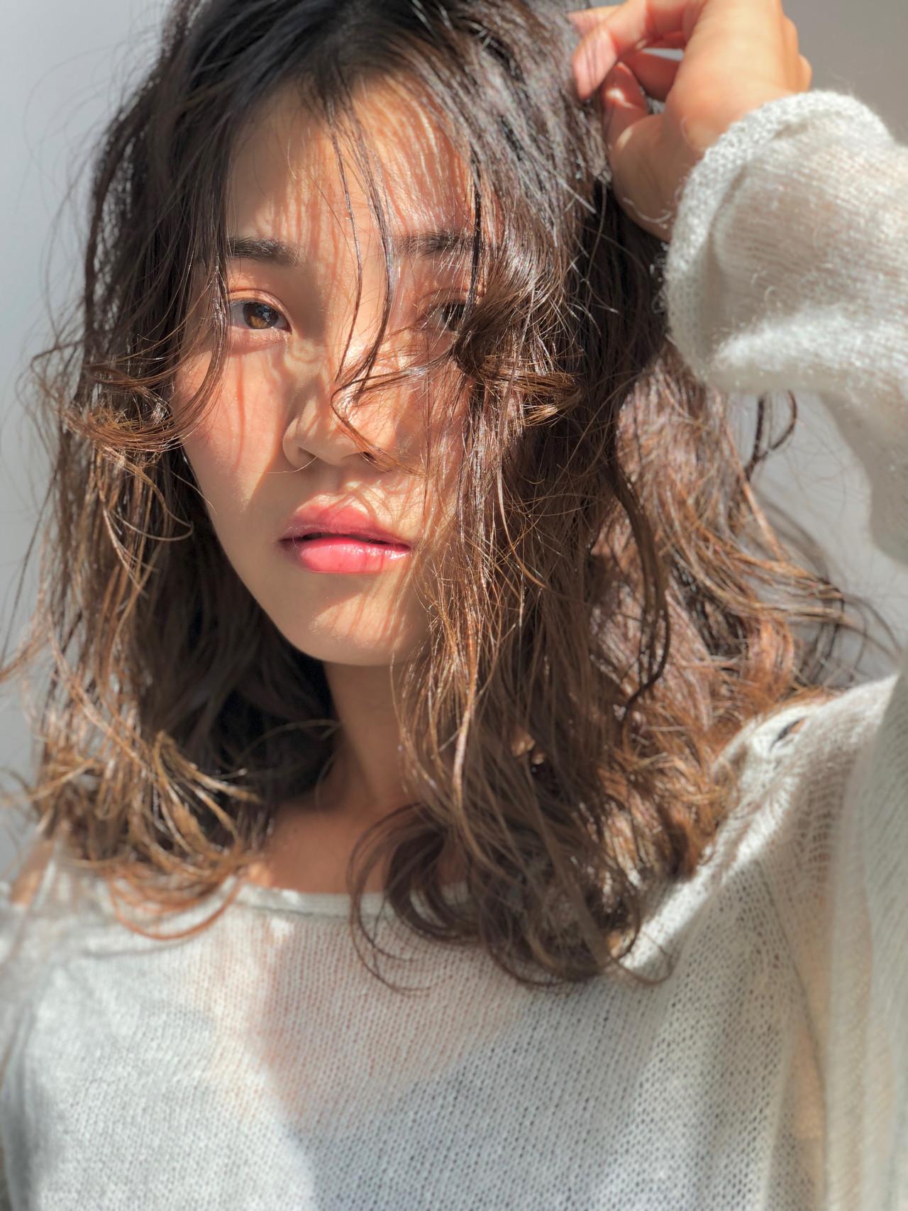 外国人風 ミディアム ナチュラル 表参道 ヘアスタイルや髪型の写真・画像