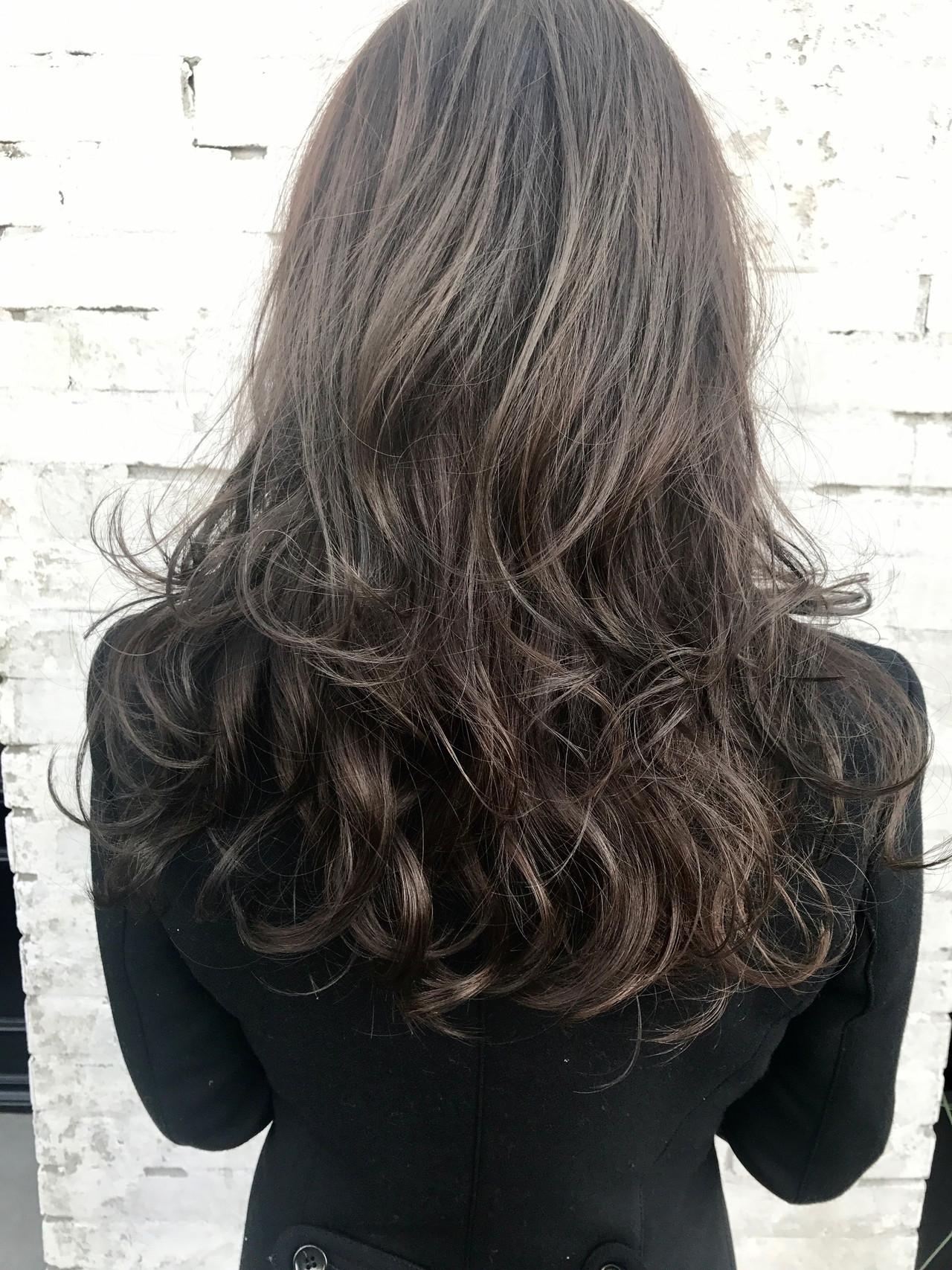 モード ロング ハイライト ブリーチカラー ヘアスタイルや髪型の写真・画像