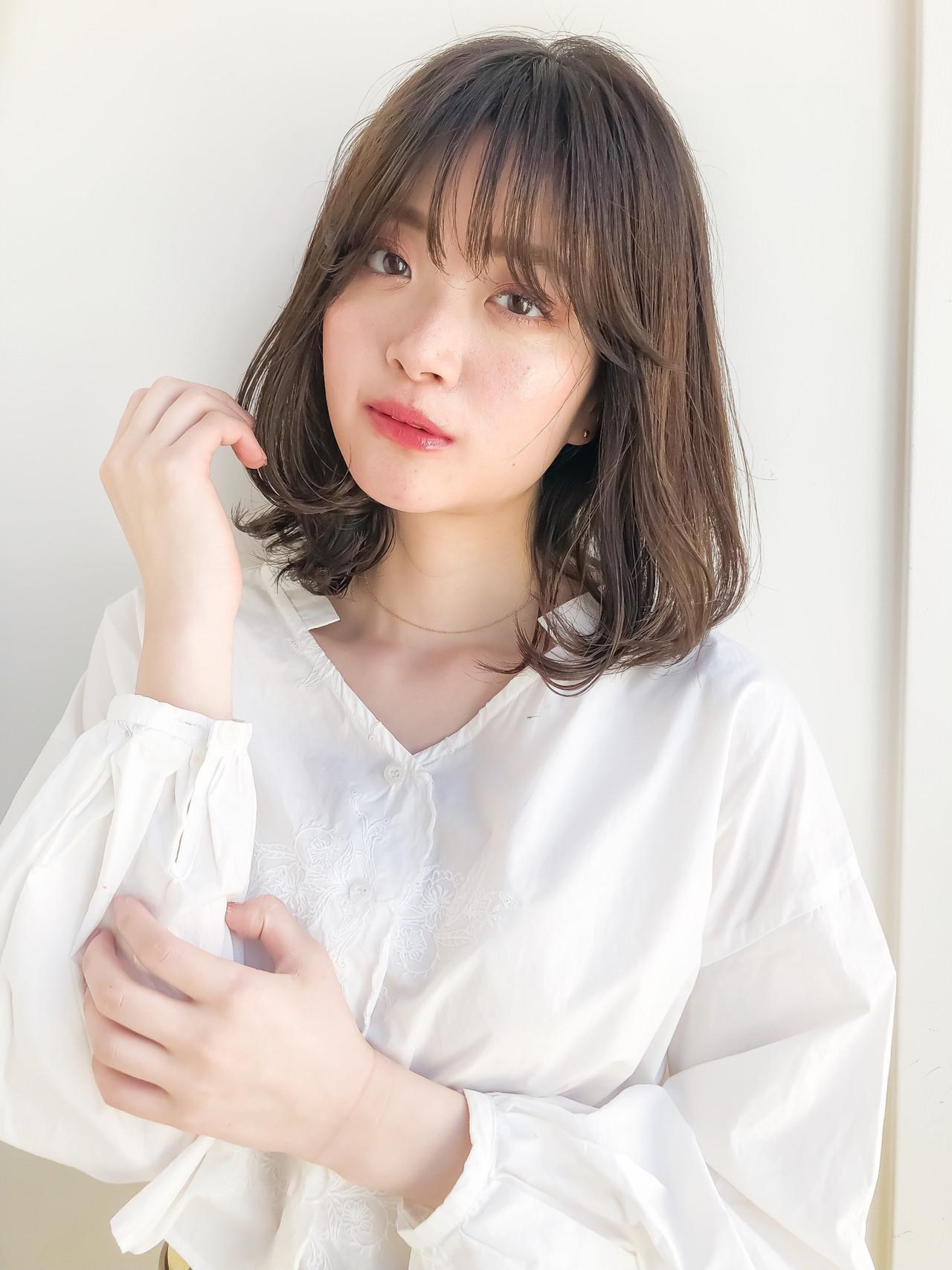 フェミニン イルミナカラー デート 韓国ヘア ヘアスタイルや髪型の写真・画像