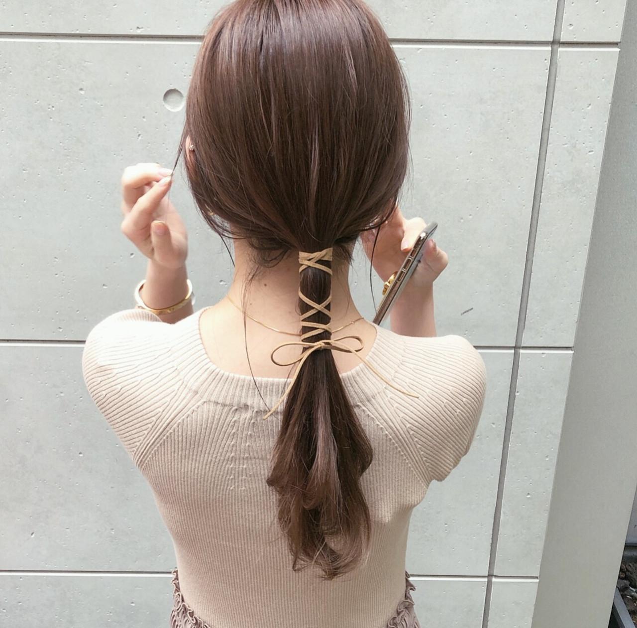 紐アレンジ ローポニー モード ポニーテール ヘアスタイルや髪型の写真・画像
