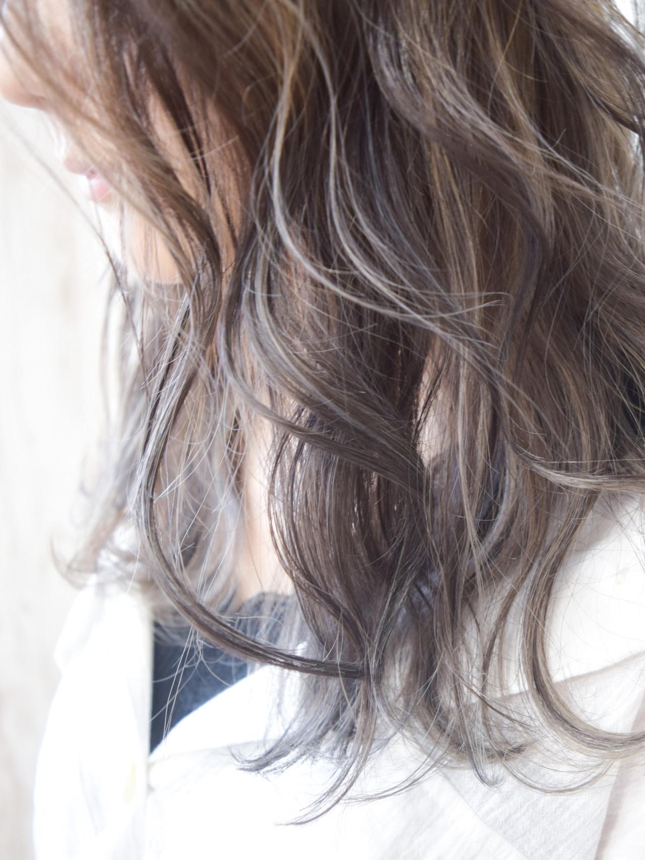 ナチュラル ホワイトハイライト コントラストハイライト ハイライト ヘアスタイルや髪型の写真・画像