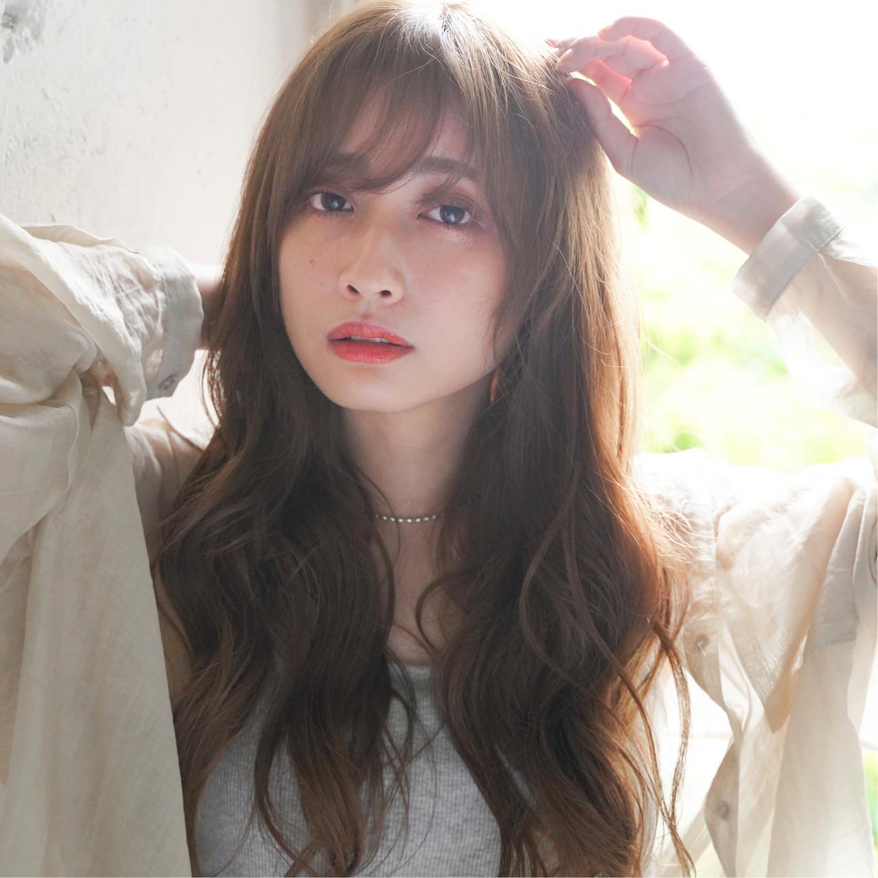 外国人風カラー ロング 外人風パーマ シースルーバング ヘアスタイルや髪型の写真・画像