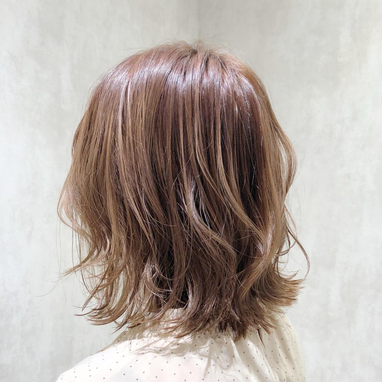 ボブ ショートボブ インナーカラー フェミニン ヘアスタイルや髪型の写真・画像