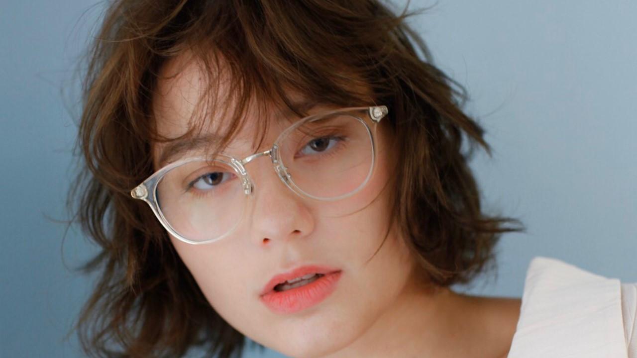 メガネに似合う髪型の特徴!フレームタイプ別のヘアカタログ