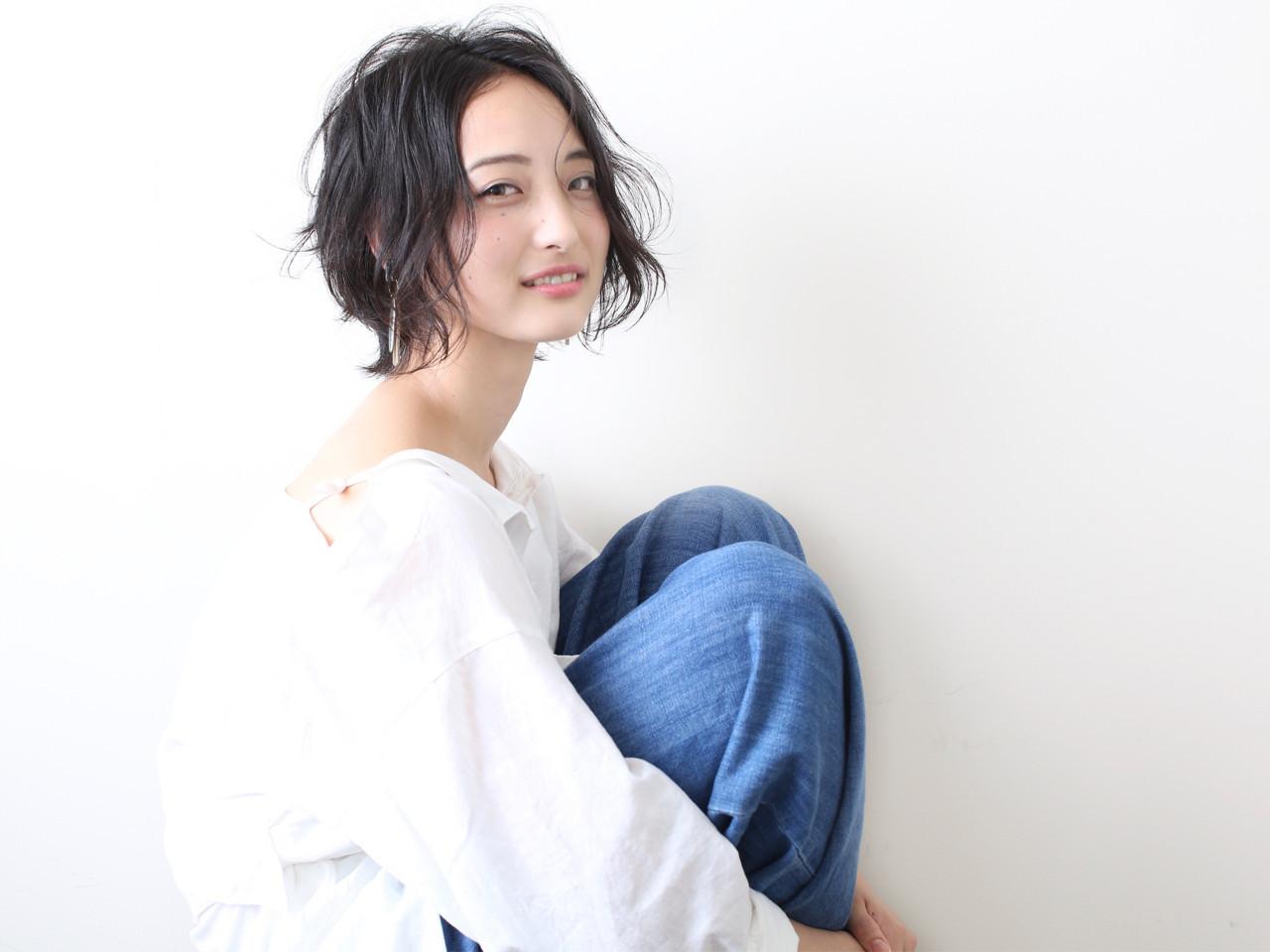 くせ毛風 ヘアアレンジ ナチュラル 女子力 ヘアスタイルや髪型の写真・画像[エリア]