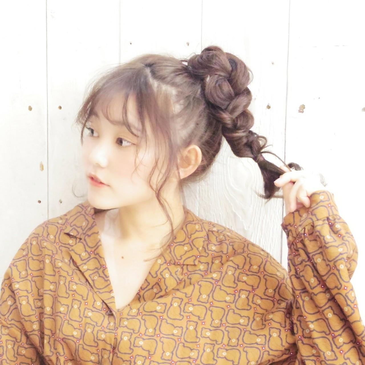 シースルーバング ガーリー まとめ髪 ヘアアレンジ ヘアスタイルや髪型の写真・画像