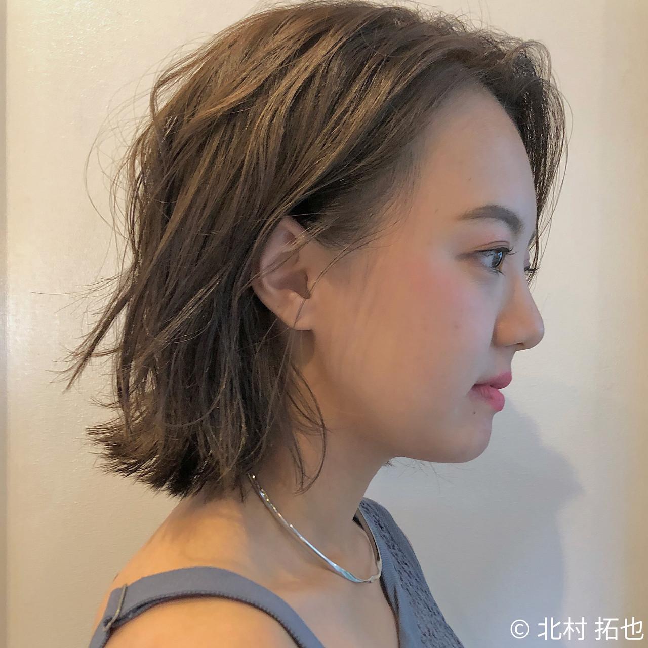 切りっぱなしボブ 透明感カラー 外ハネボブ シアーベージュ ヘアスタイルや髪型の写真・画像