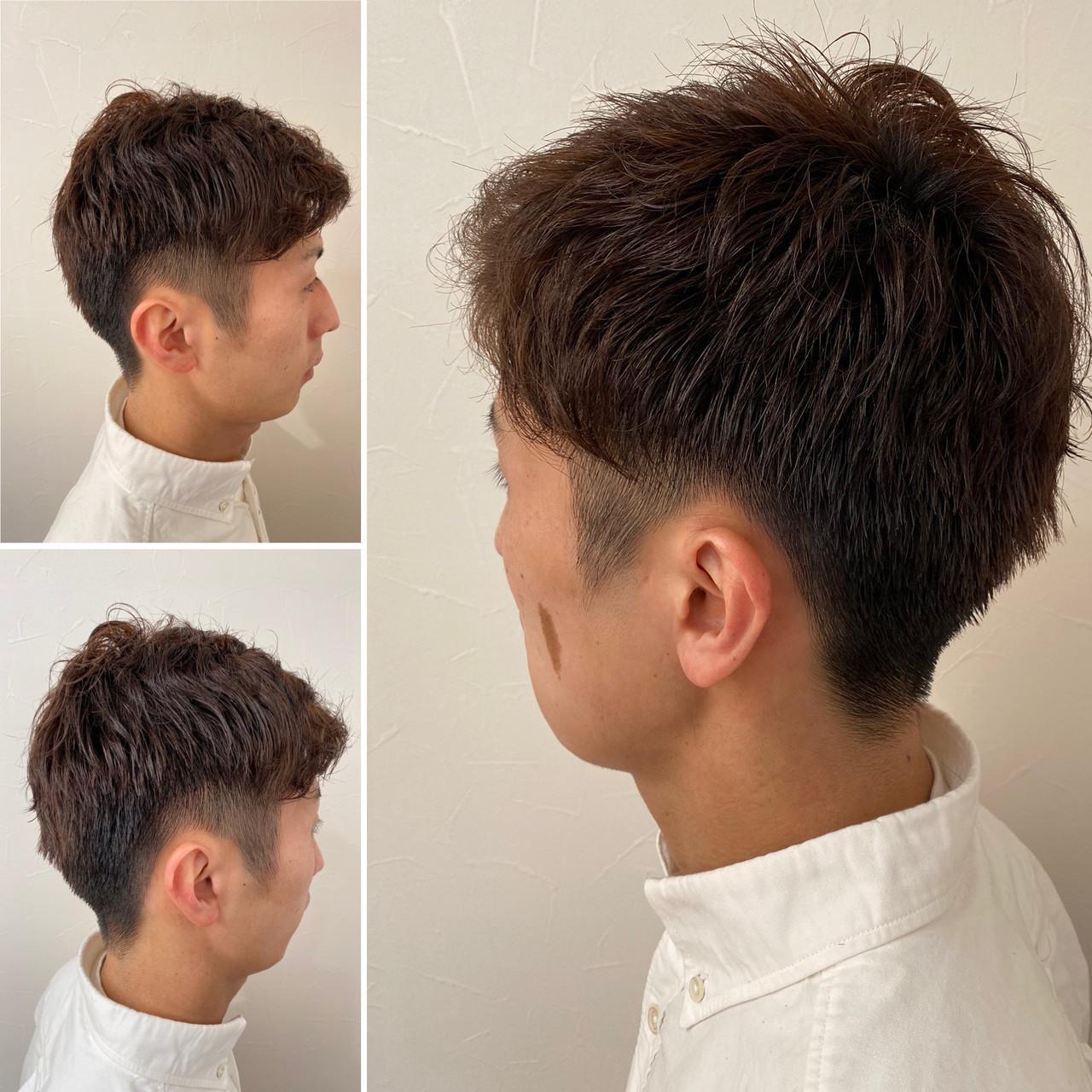 くせ毛 メンズパーマ ショートヘア ナチュラル ヘアスタイルや髪型の写真・画像