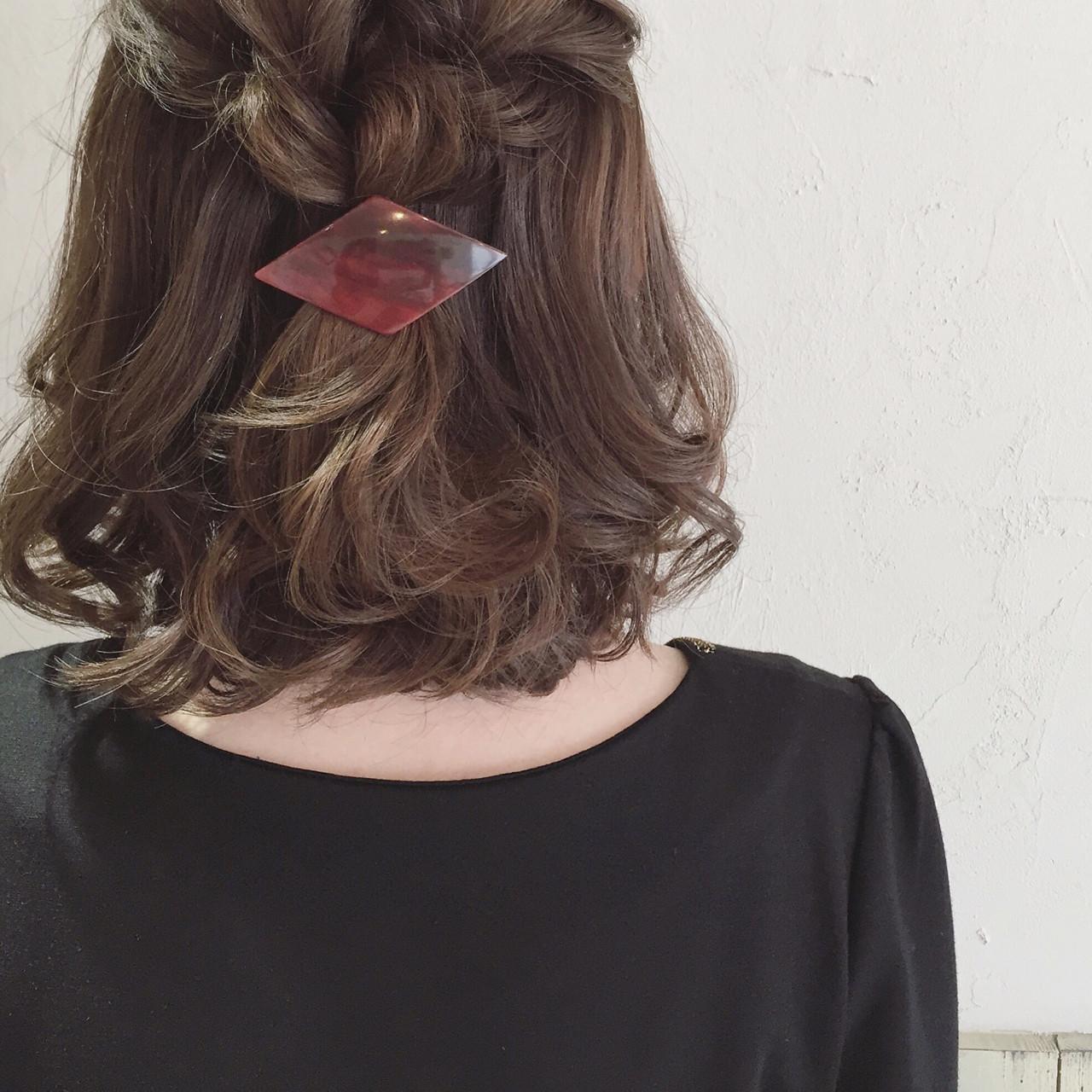 ボブ ヘアアレンジ バレッタ 編み込み ヘアスタイルや髪型の写真・画像