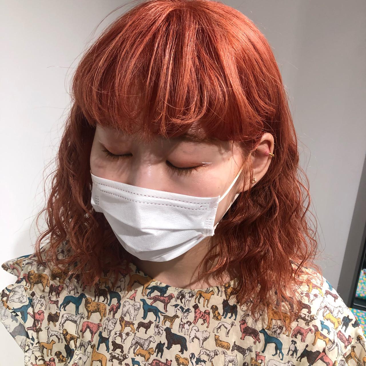 セミロング アプリコットオレンジ ガーリー オレンジ ヘアスタイルや髪型の写真・画像