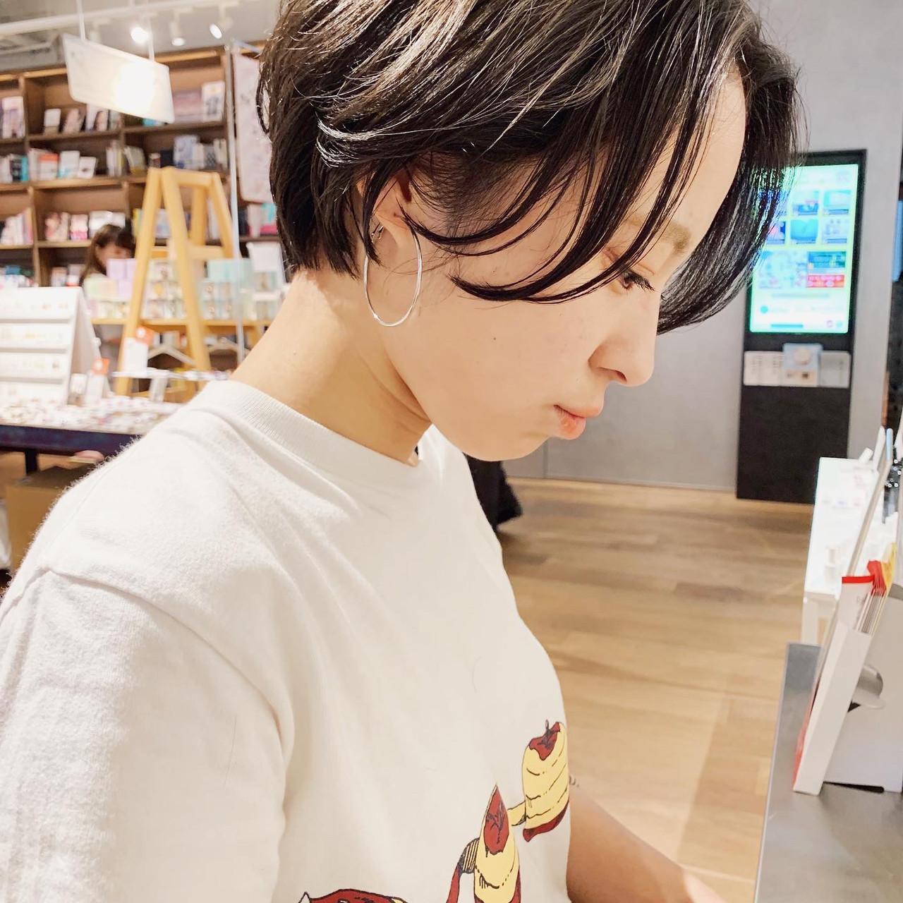 ベリーショート 暗髪 ショートヘア 丸みショート ヘアスタイルや髪型の写真・画像