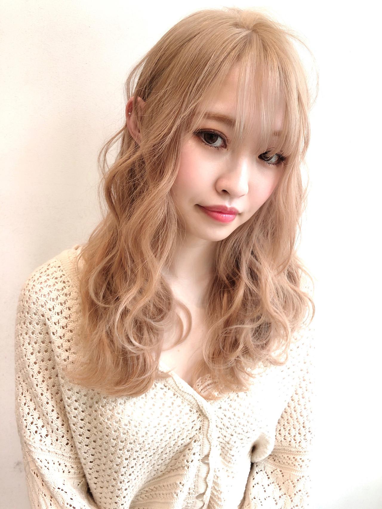 ロング ブリーチカラー ブロンドカラー ハイトーンカラー ヘアスタイルや髪型の写真・画像