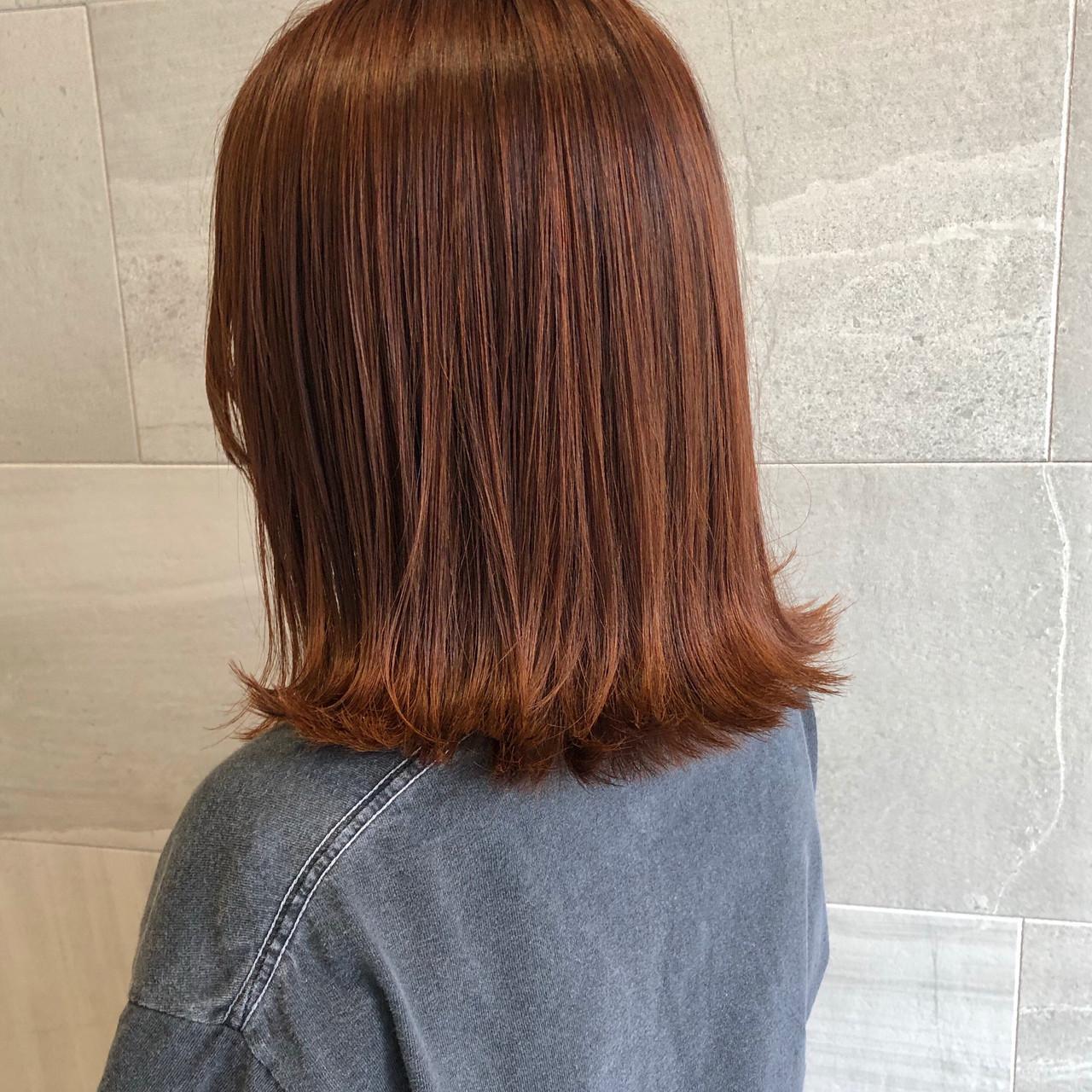 ロブ ナチュラル ミディアム アプリコットオレンジ ヘアスタイルや髪型の写真・画像