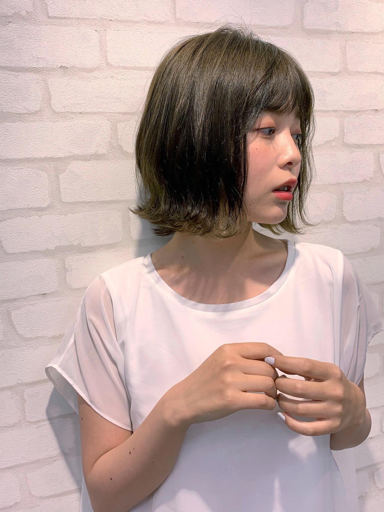 切りっぱなしボブ 外ハネボブ 小顔 フェミニン ヘアスタイルや髪型の写真・画像